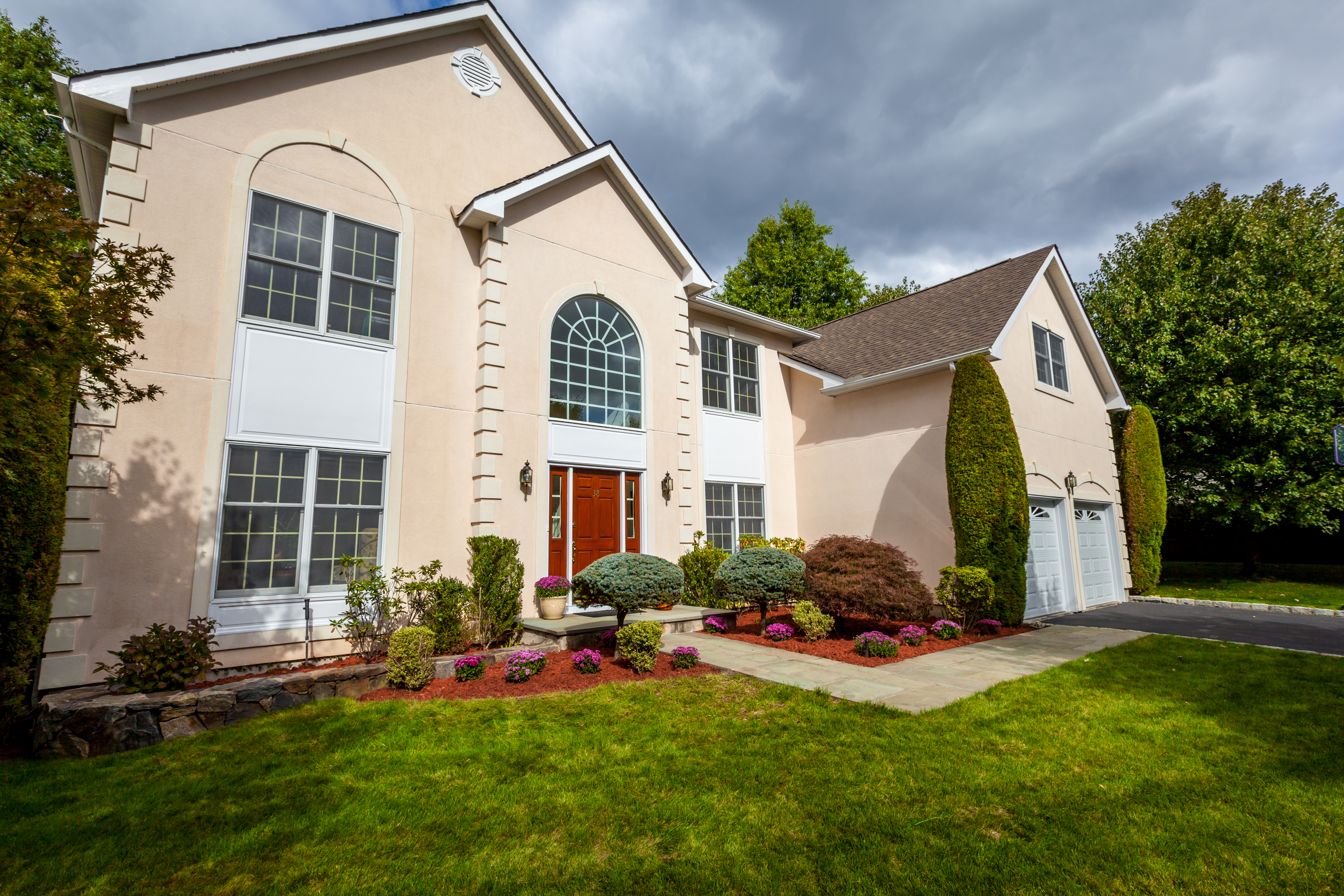 Single Family Home for Sale at Illuminating & Cheerful Center Hall Colonial 38 Sheldon Street Ardsley, New York, 10502 United States