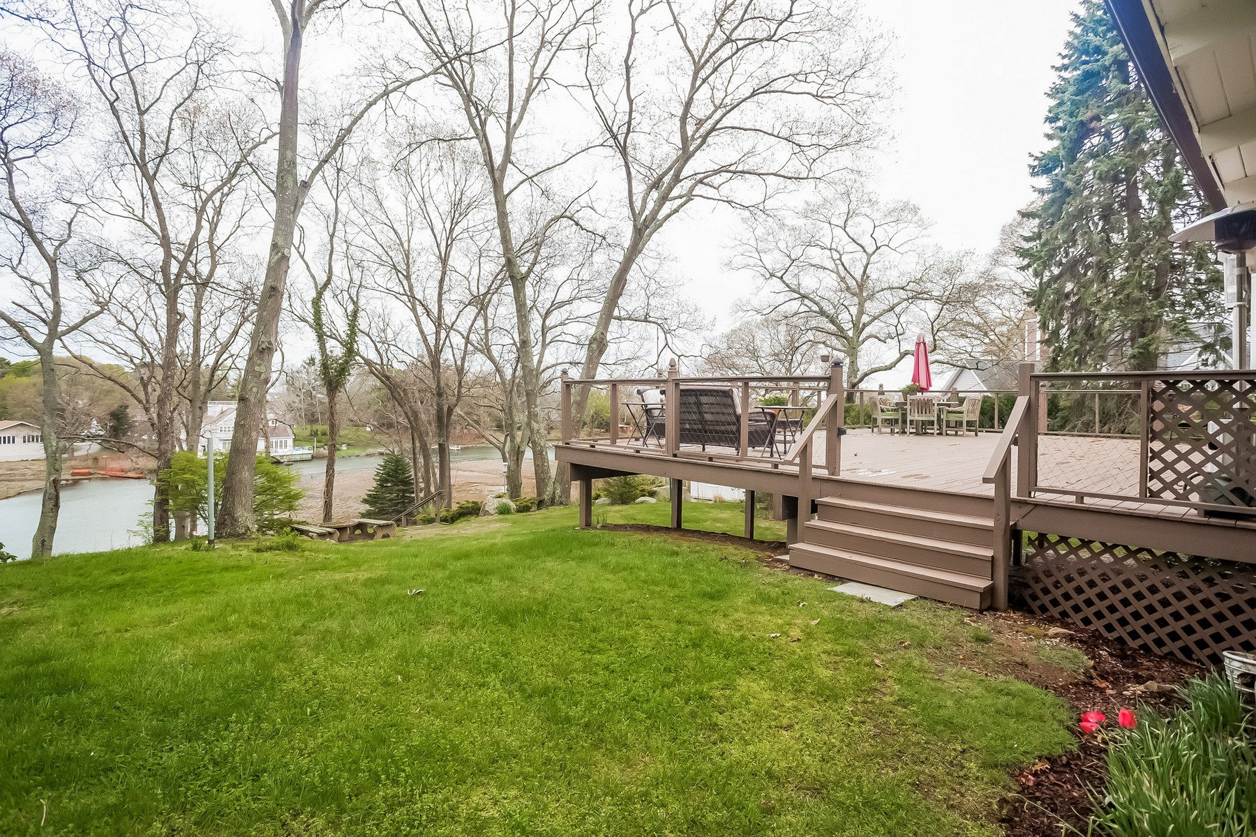 Maison unifamiliale pour l Vente à Enjoy Incredible Water Views & Your Own Dock! 3 Lookout Rd Westbrook, Connecticut, 06498 États-Unis