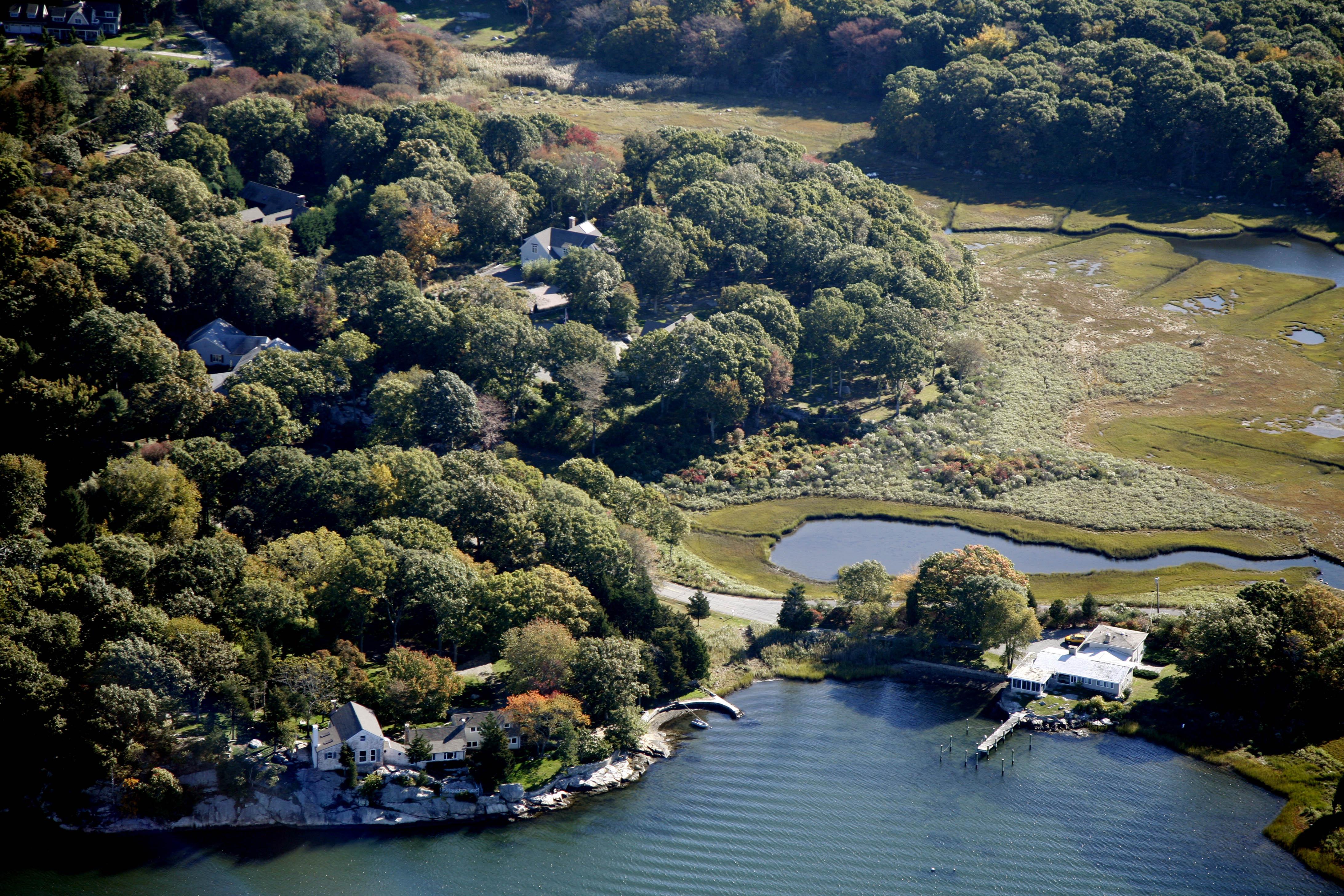 Land für Verkauf beim Waterfront Lot On Masons Island 12 Niles Road Stonington, Connecticut 06355 Vereinigte Staaten
