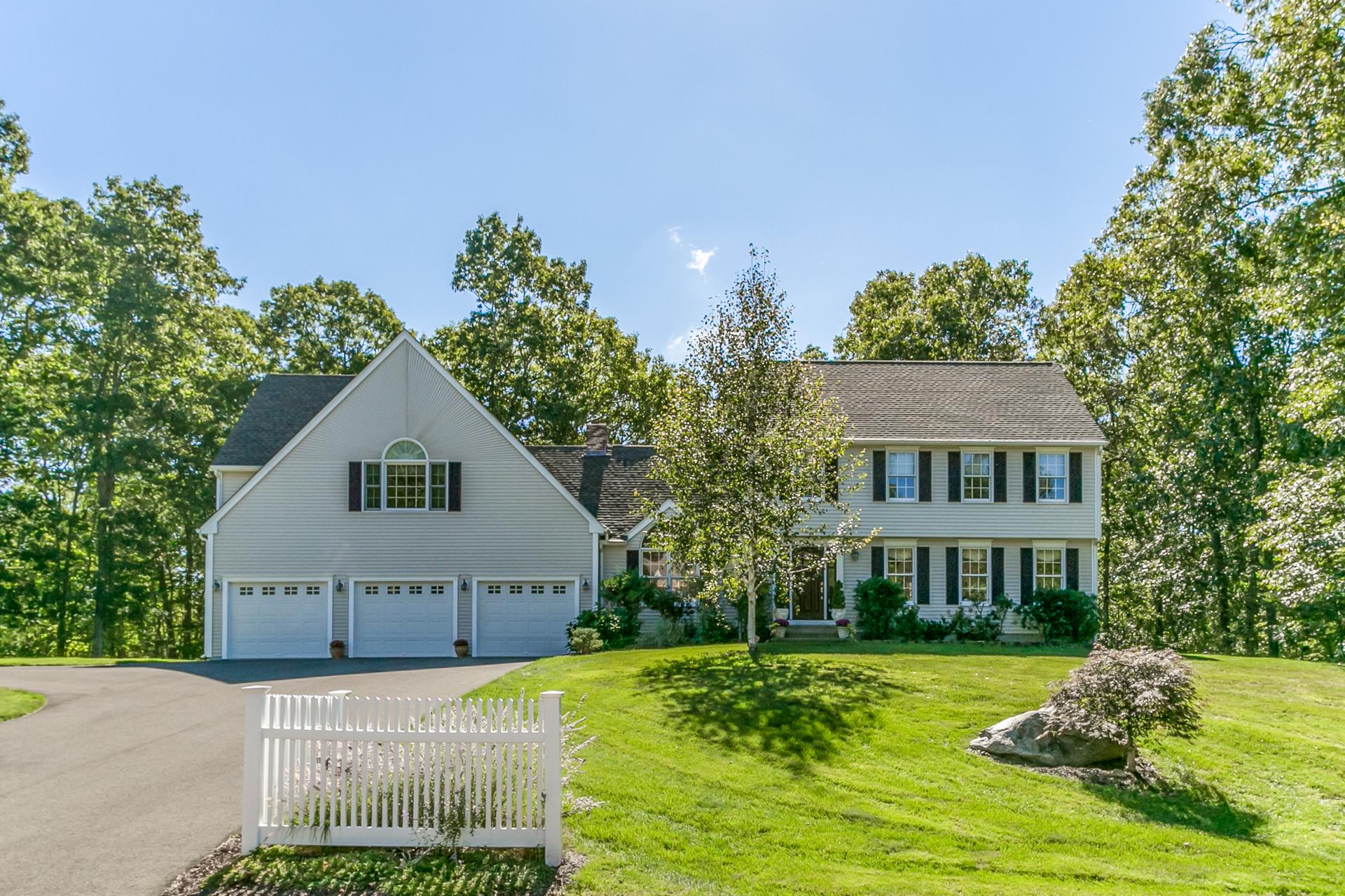 独户住宅 为 销售 在 8 Elsie Lane 克林顿, 康涅狄格州, 06413 美国