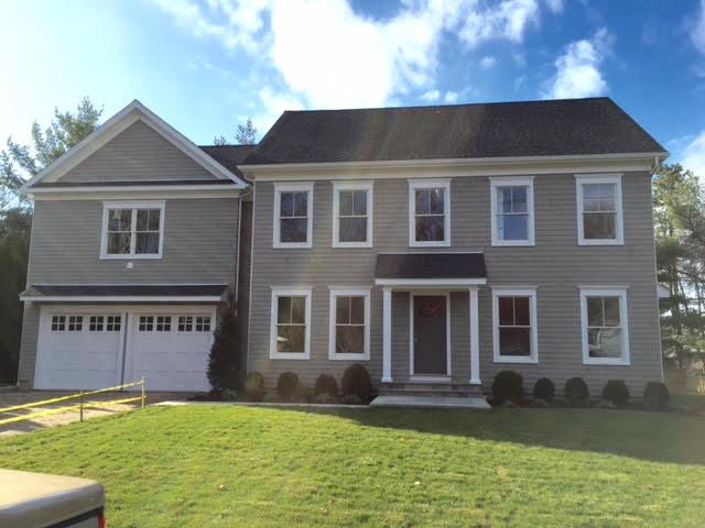 Maison unifamiliale pour l Vente à Stunning New Construction 5 Barbara Place Westport, Connecticut 06880 États-Unis