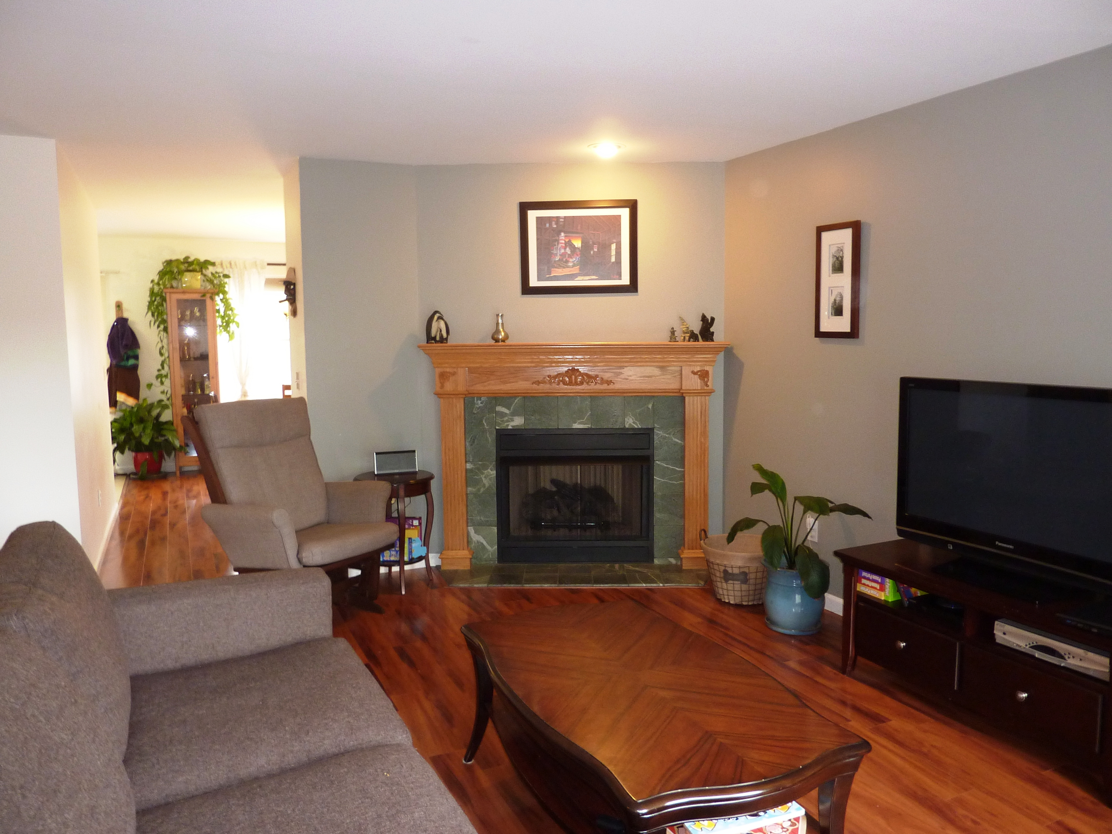Townhouse for Sale at Updated End Unit 11 Mannions Lane 1 Danbury, Connecticut, 06810 United States