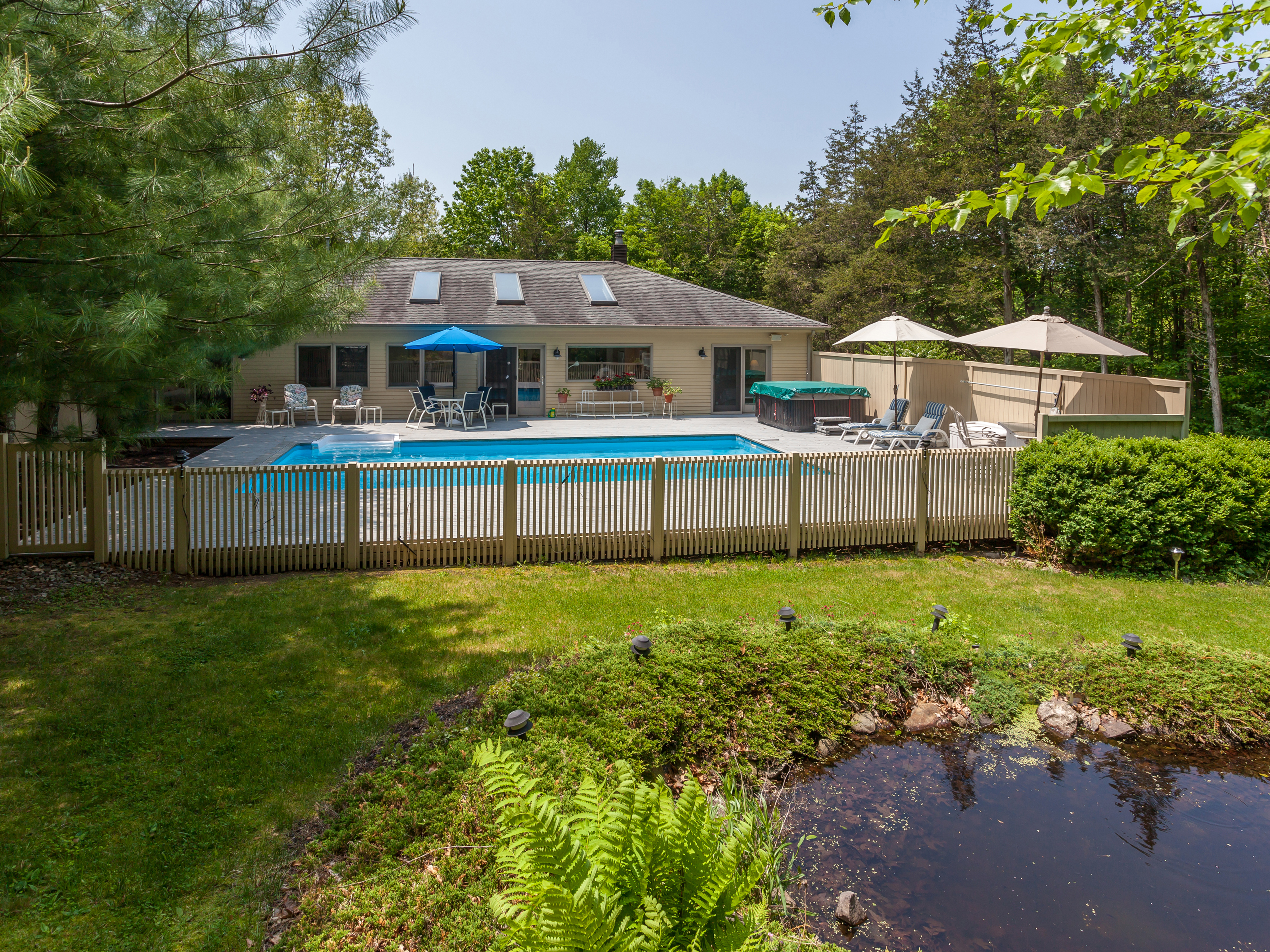 sales property at Easy Country Living