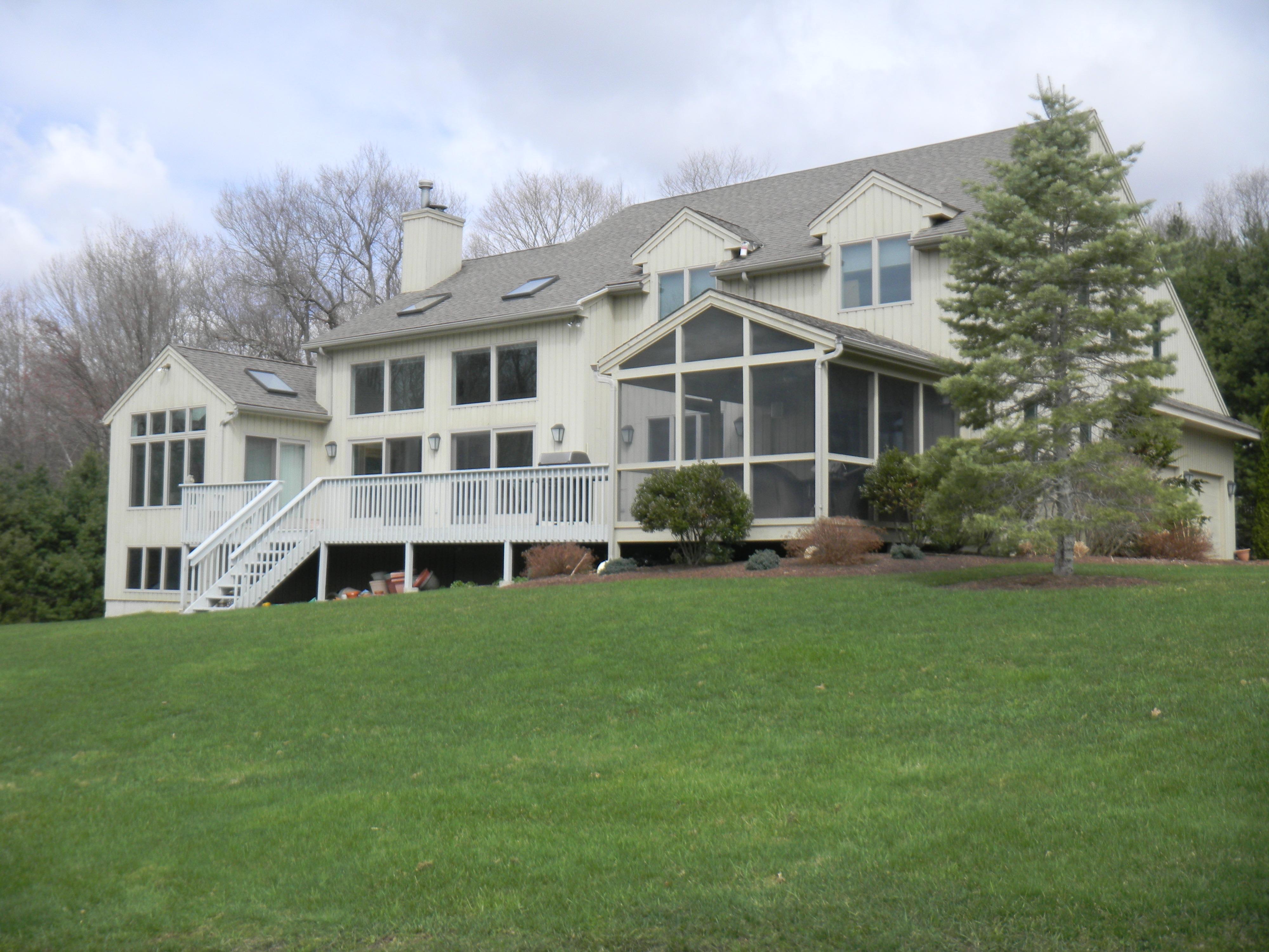 Casa Unifamiliar por un Venta en Woodridge Lake Custom Contemporary 48 Bueford Court Goshen, Connecticut 06756 Estados Unidos