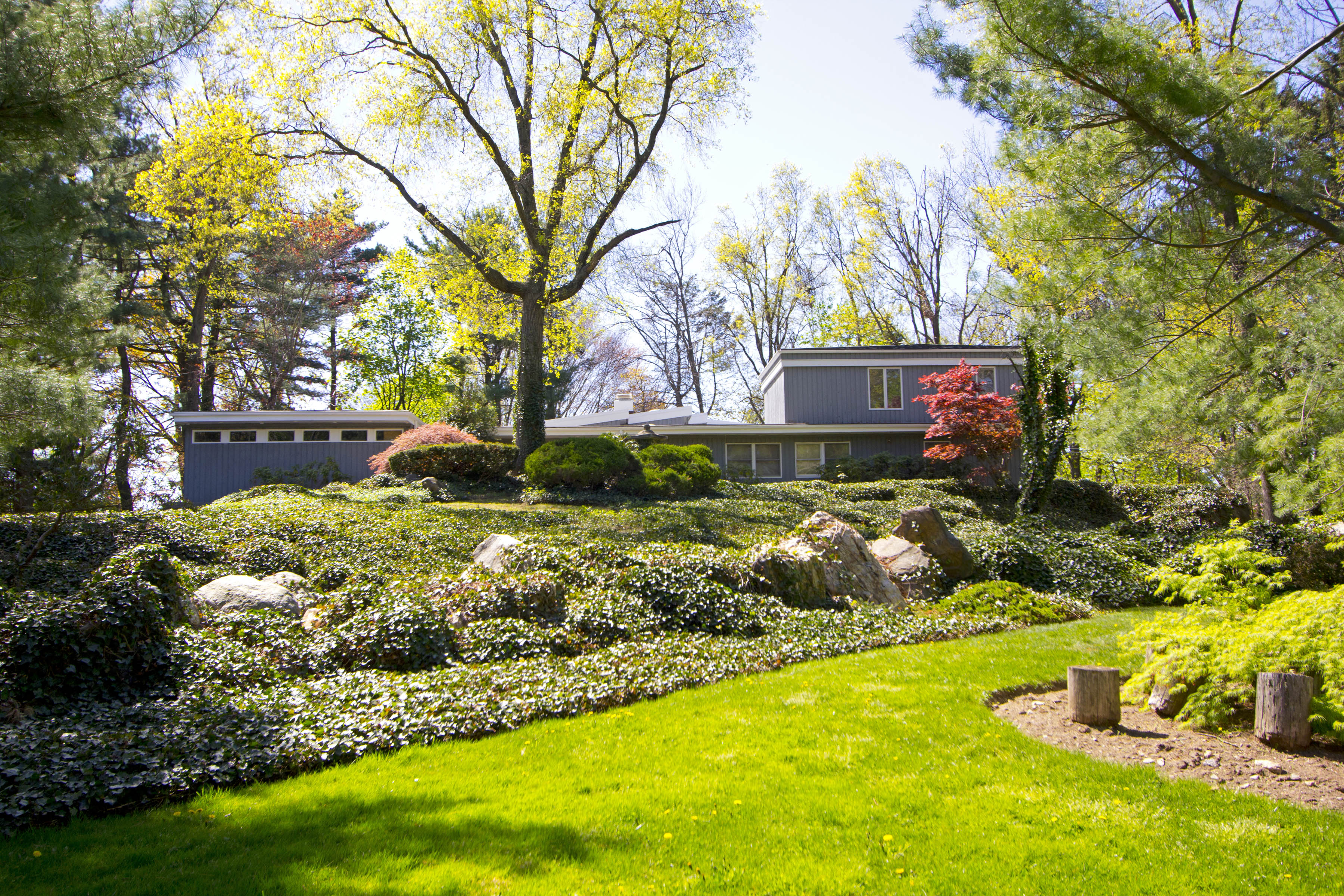 Single Family Home for Sale at Sun Drenched Mid-Century Contemporary 370 Clayton Road Scarsdale, New York 10583 United States