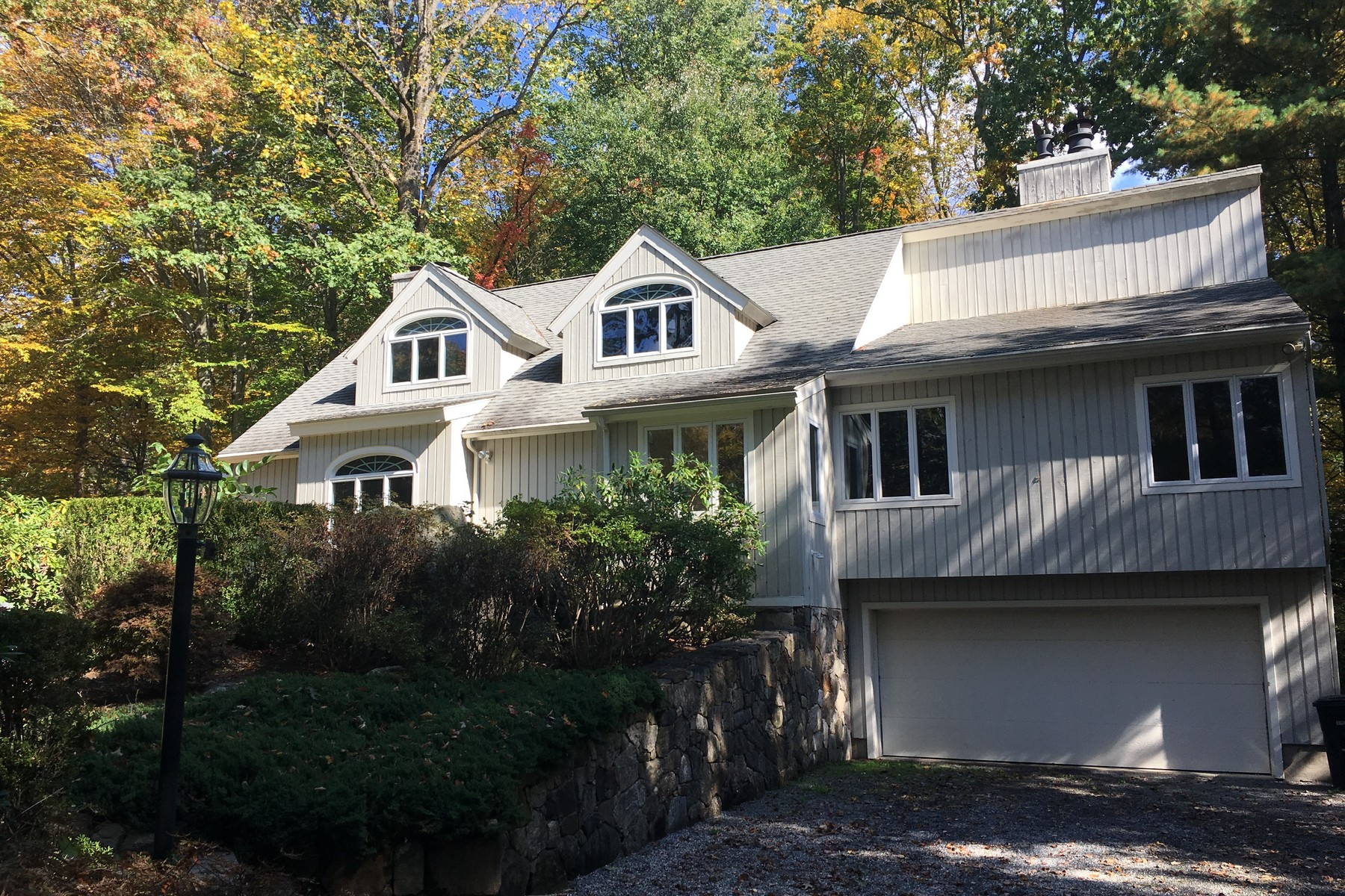 Single Family Home for Sale at N. Stamford Colonial 264 Mill Road Stamford, Connecticut, 06903 United States