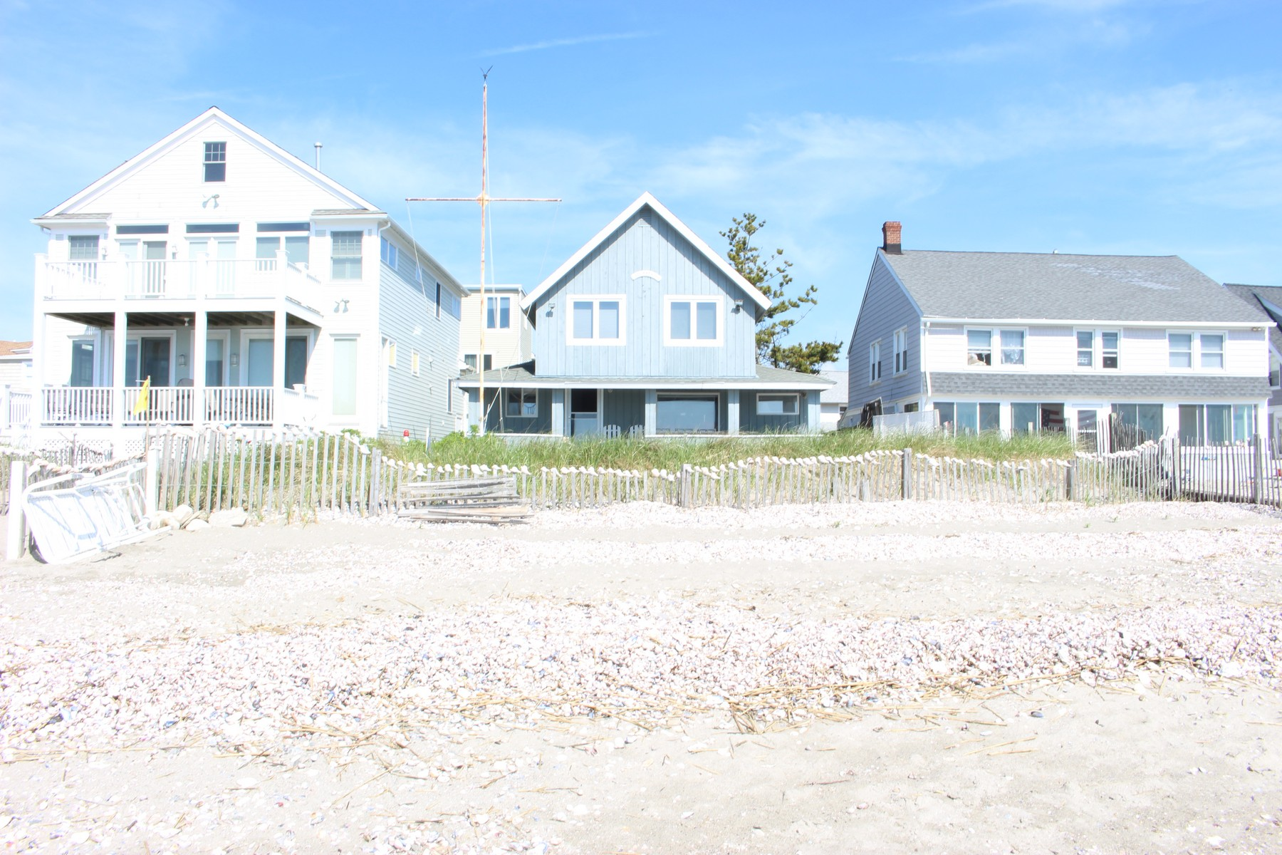 Single Family Home for Sale at Premier Beachfront Retreat 26 Lighthouse Point Fairfield, Connecticut, 06824 United States