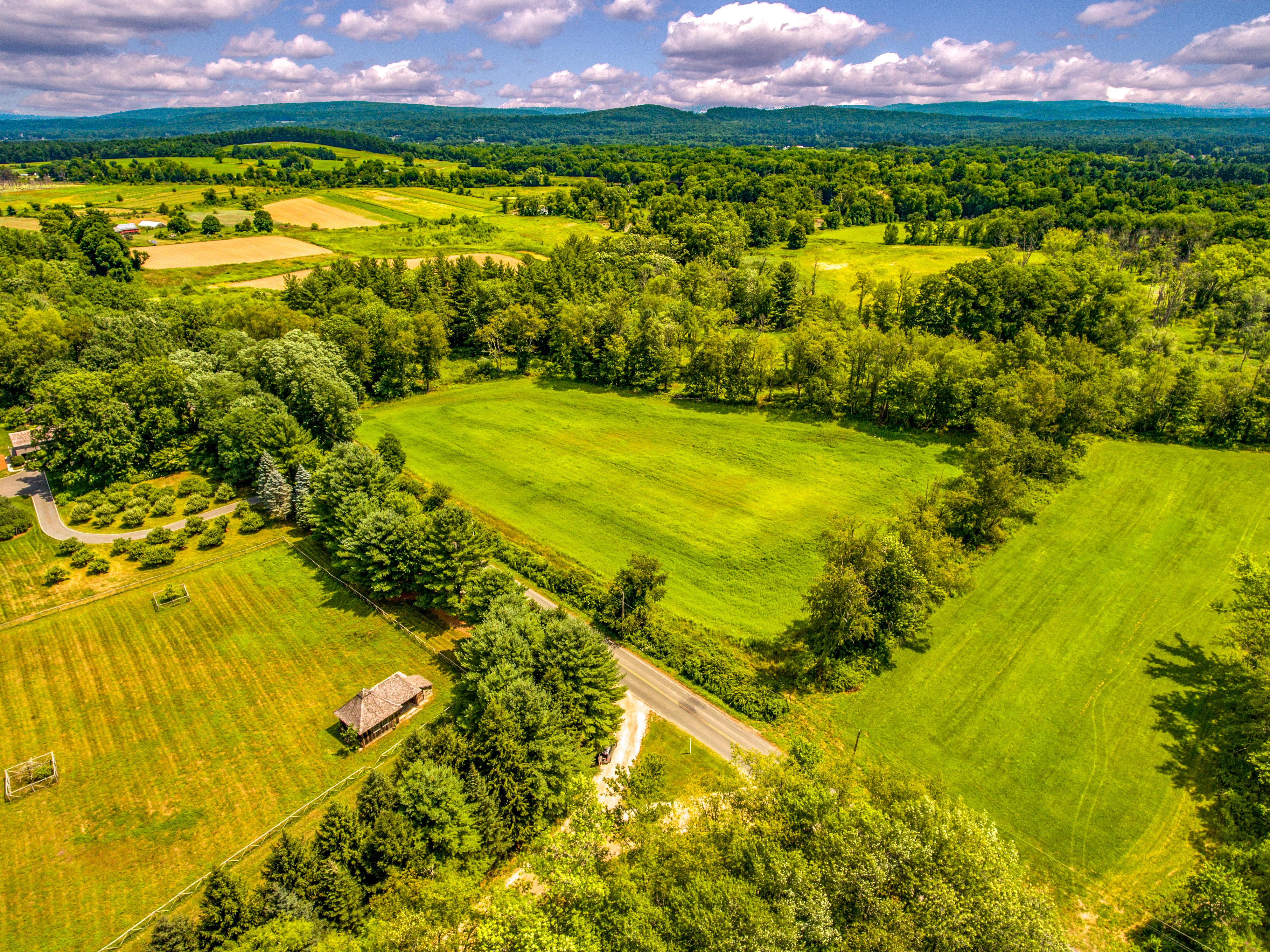 Terreno per Vendita alle ore Pristine Berkshire Meadows Rannapo Rd Sheffield, Massachusetts, 01257 Stati Uniti