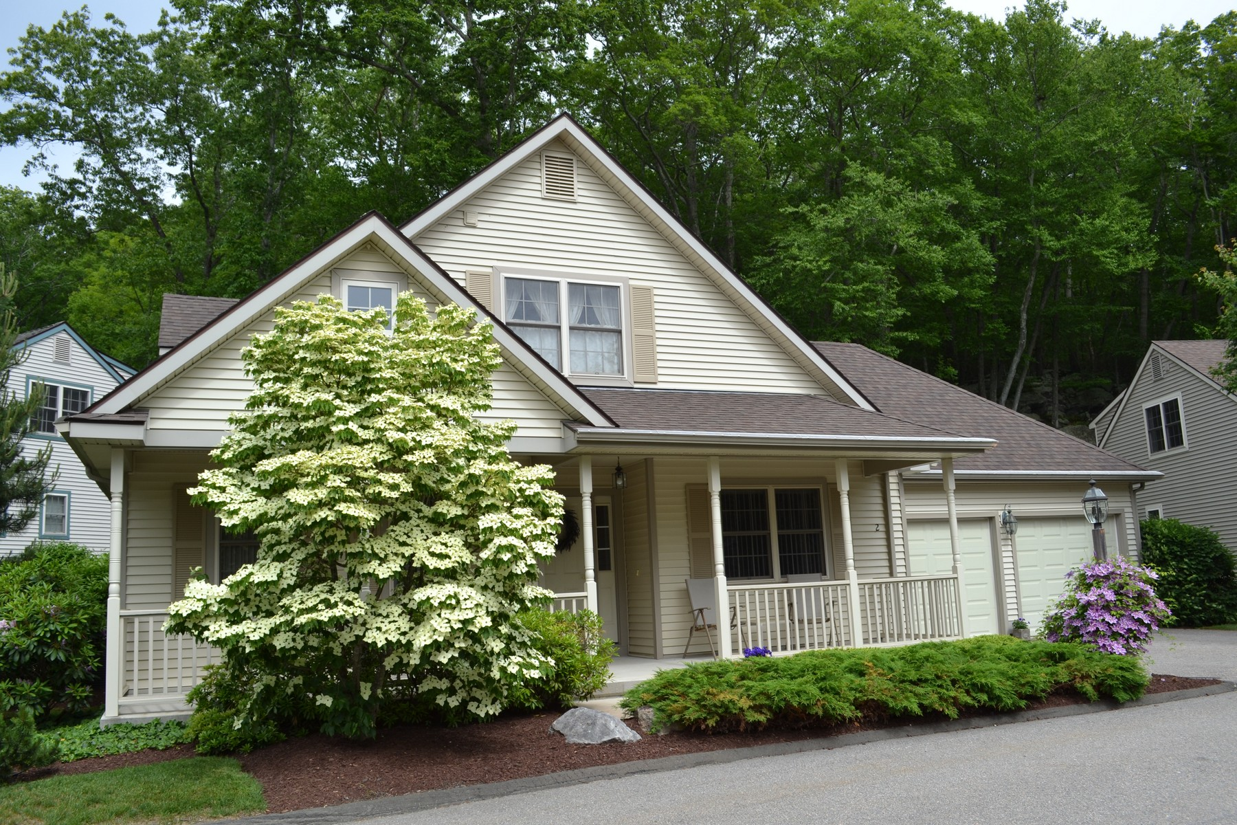 Single Family Home for Sale at Magnificent Chapman Woods Custom Home 2 Gooseberry Ln East Lyme, Connecticut 06357 United States