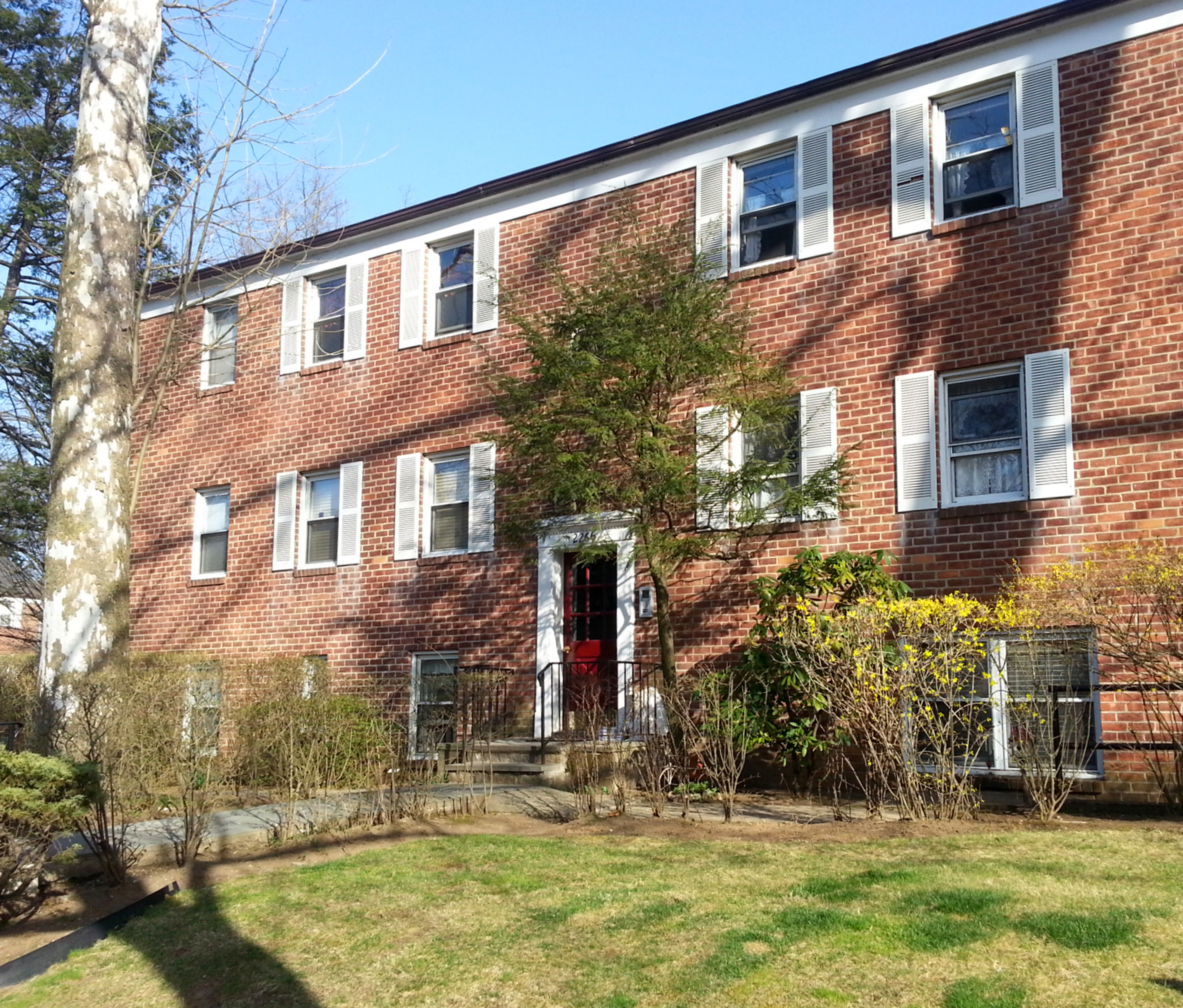 Co-op for Sale at Commuter's Dream 2266 Palmer Avenue 6I New Rochelle, New York 10801 United States