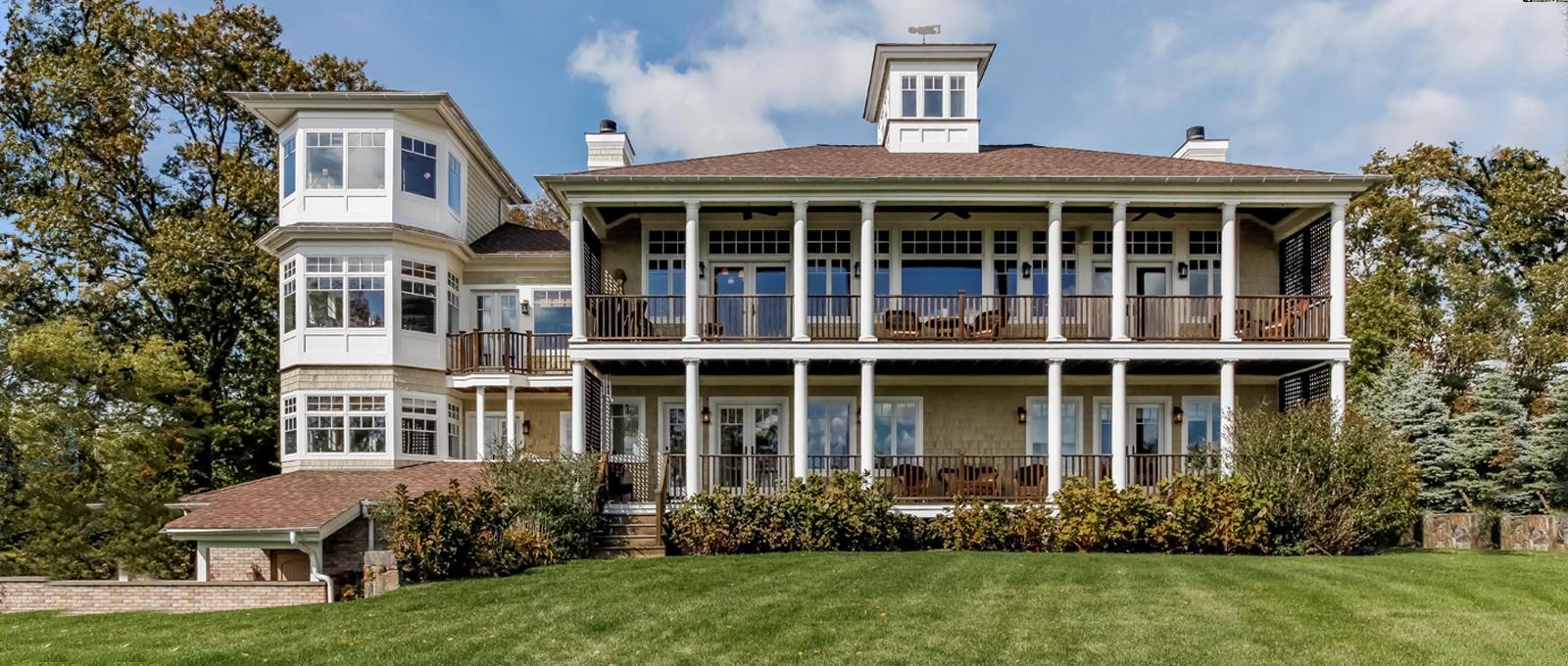 Casa para uma família para Venda às 4 Hill Top Drive Port Chester, Nova York 10573 Estados Unidos
