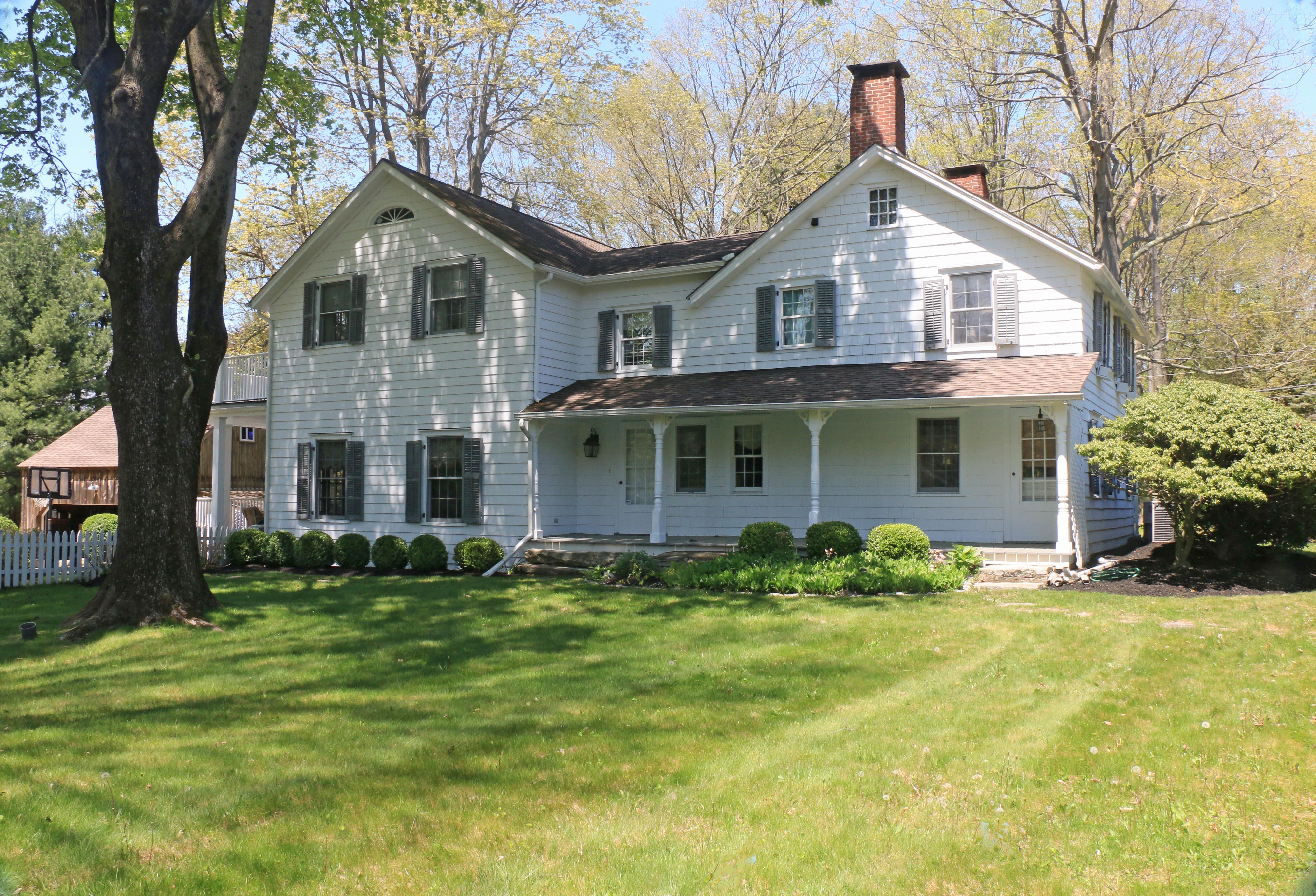 Maison unifamiliale pour l Vente à Inviting, Timeless Appeal 789 Ridgefield Road Wilton, Connecticut, 06897 États-Unis