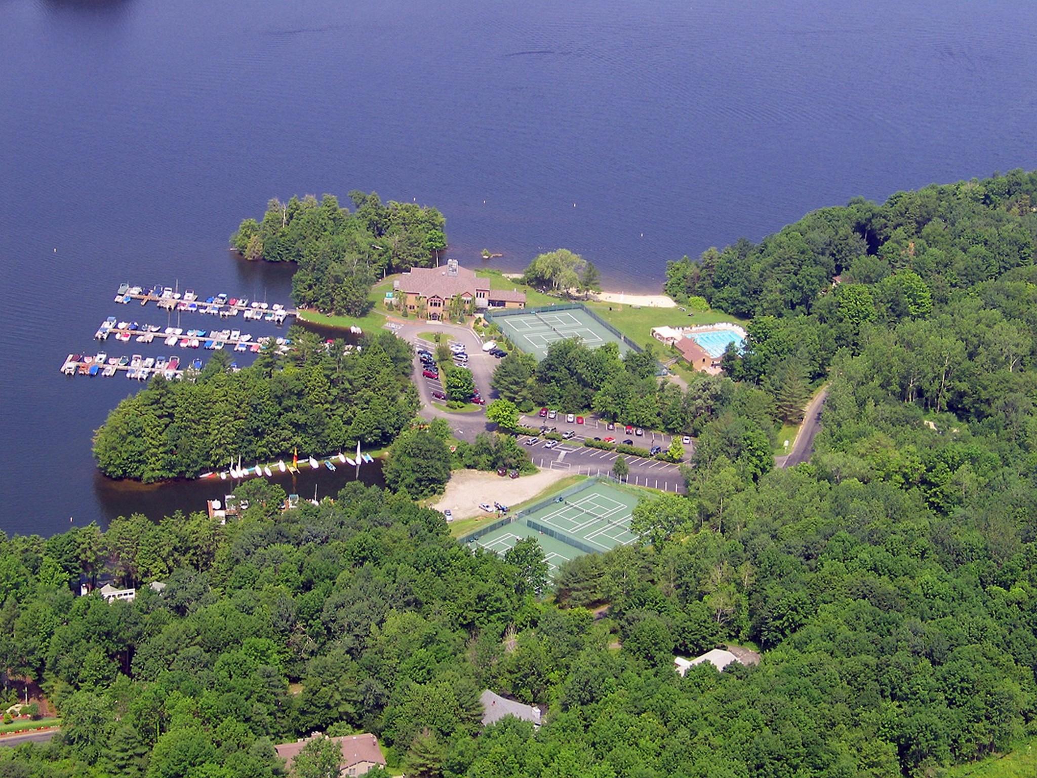 Земля для того Продажа на Building Lot At Woodridge Lake Dresden Cir Lot 609 Goshen, Коннектикут 06756 Соединенные Штаты