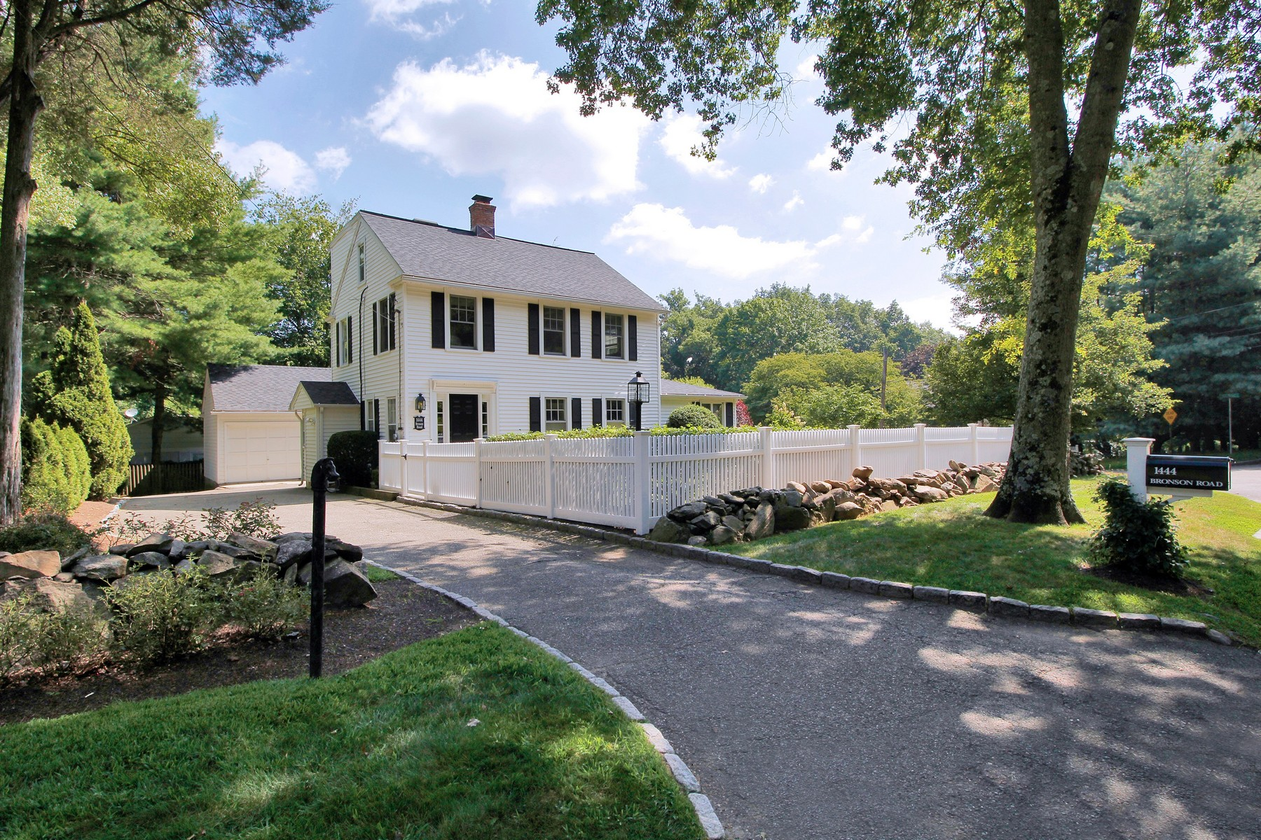 Single Family Home for Sale at Fabulous, Fully Renovated Four Bedroom Colonial in Desirable Greenfield Hill 1444 Bronson Road Fairfield, Connecticut, 06824 United States