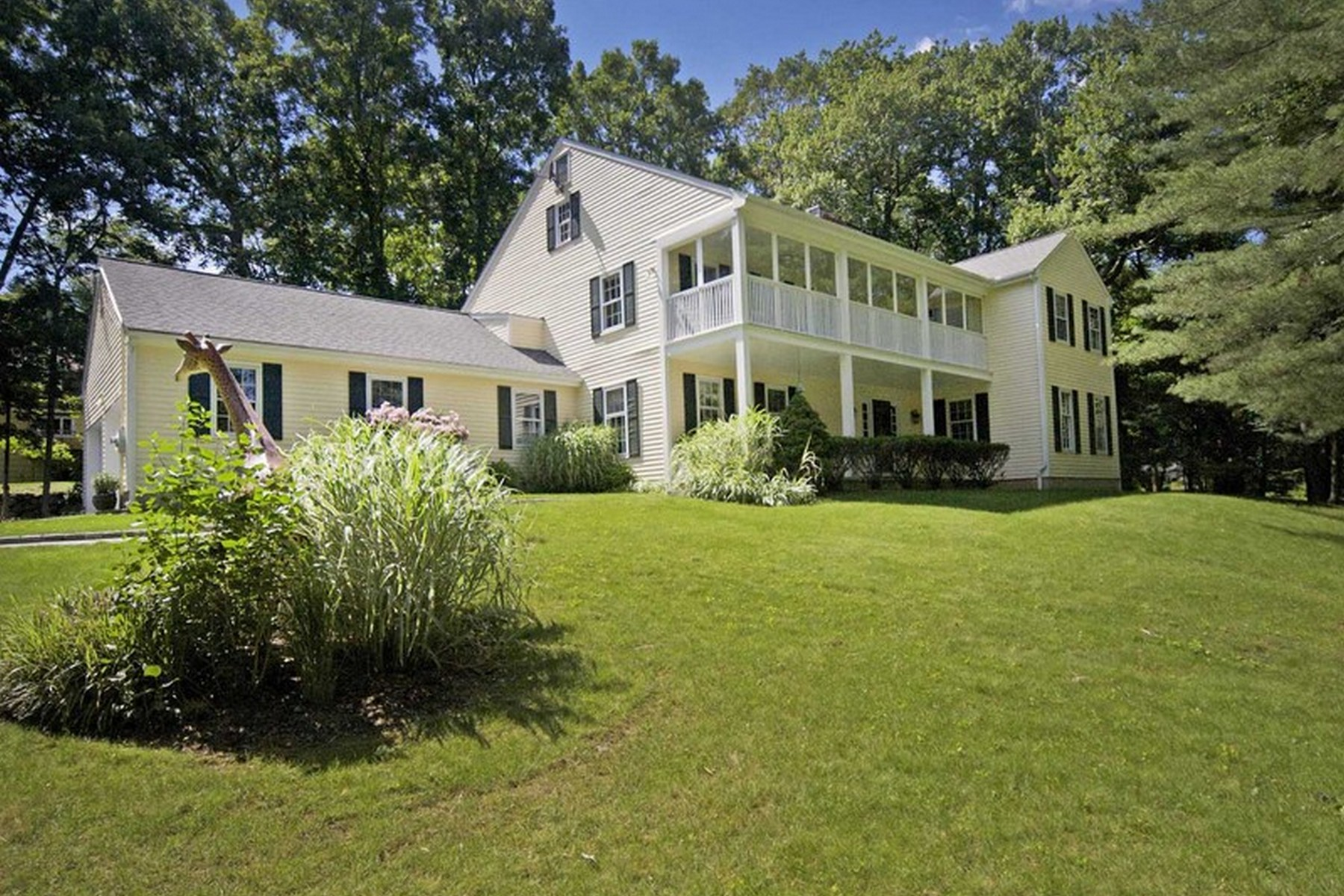 Single Family Home for Sale at 29 Bittersweet Lane Stamford, Connecticut, 06903 United States