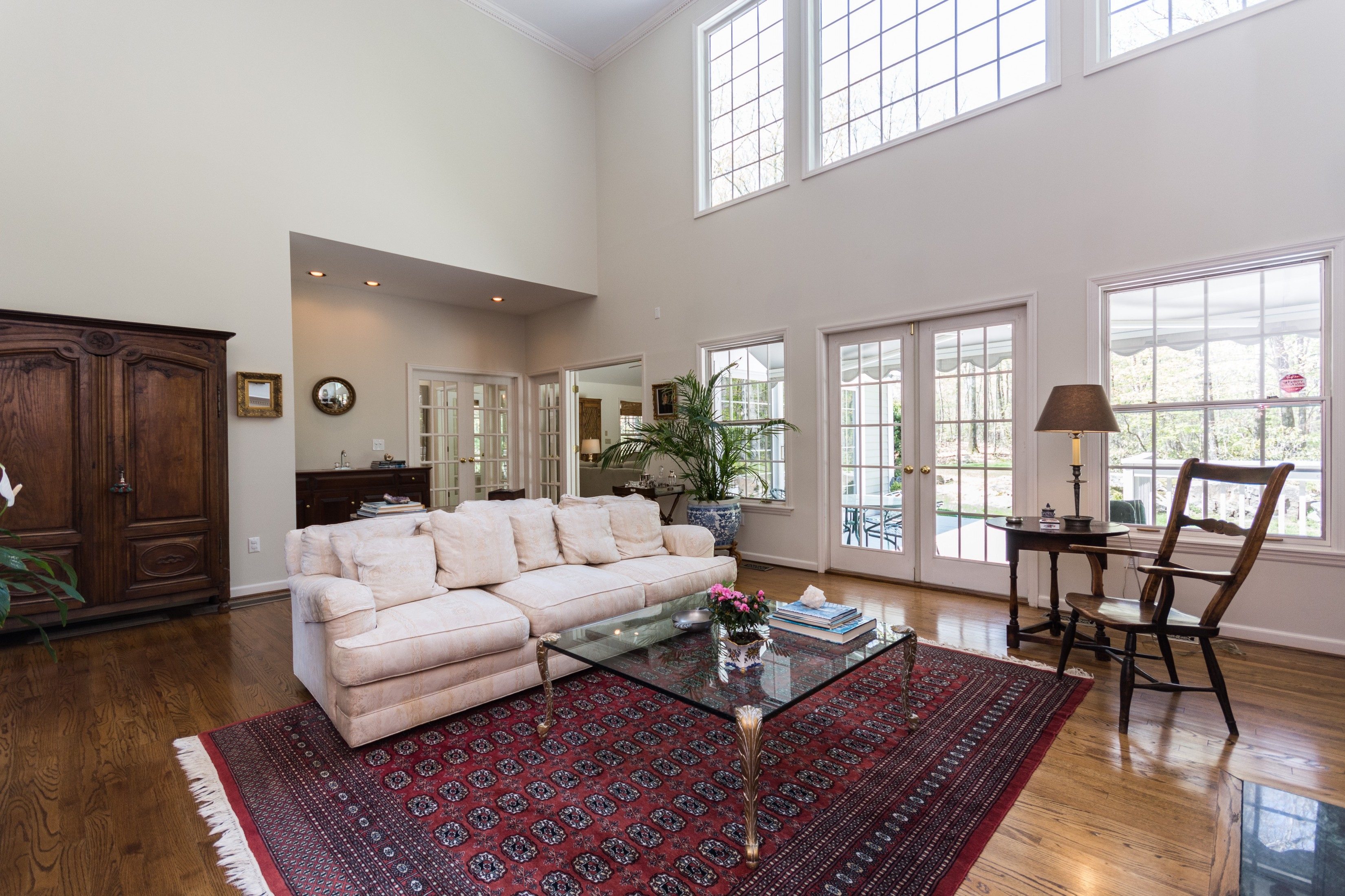 Maison unifamiliale pour l Vente à Stunning Colonial 411 Thayer Pond Road Wilton, Connecticut, 06897 États-Unis