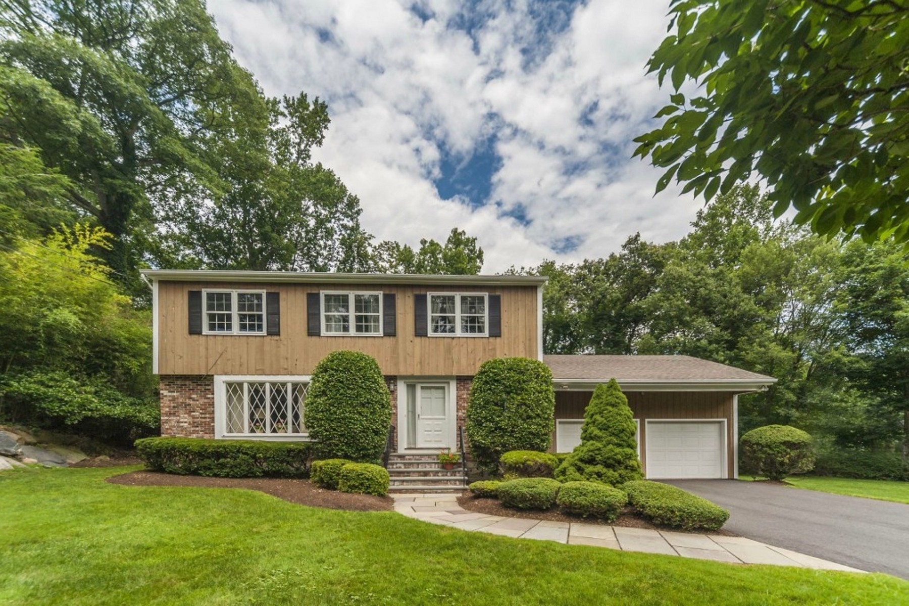 Single Family Home for Sale at A Neighborhood to Treasure 82 Wedgemere Road Stamford, Connecticut, 06905 United States