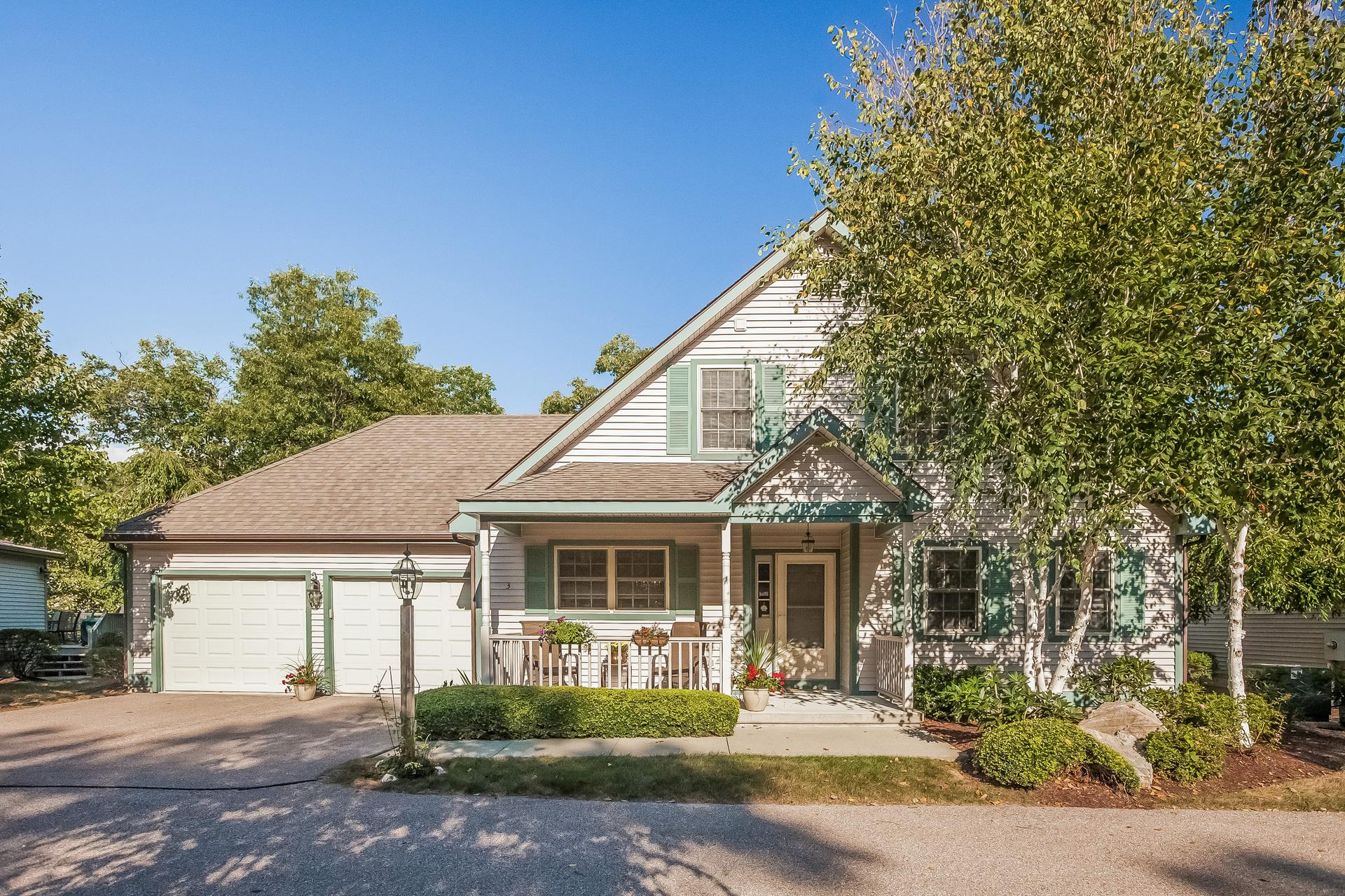 Eigentumswohnung für Verkauf beim Chapman Woods 3 Gardner Lane 52 East Lyme, Connecticut 06357 Vereinigte Staaten