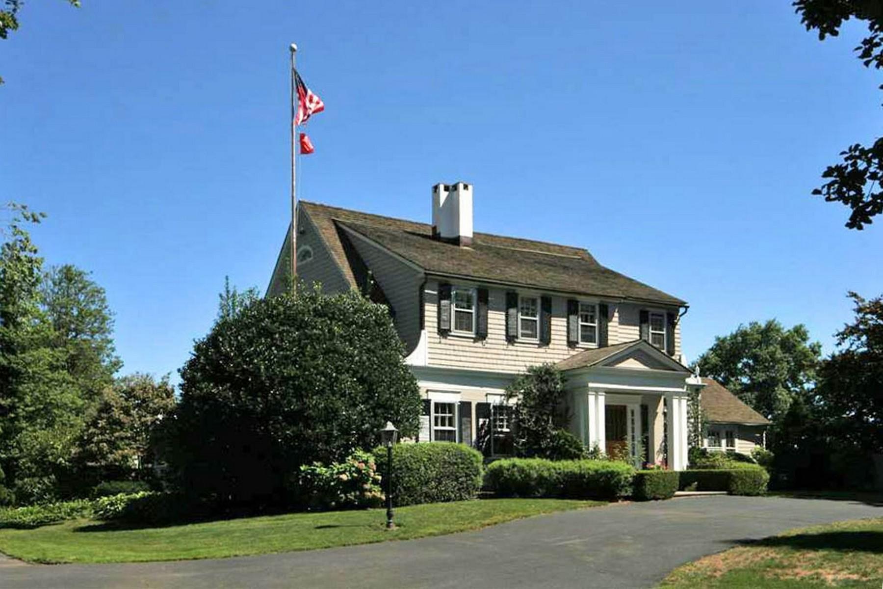 Maison unifamiliale pour l Vente à Black Rock Waterfront 40 Anchorage Drive Bridgeport, Connecticut, 06605 États-Unis