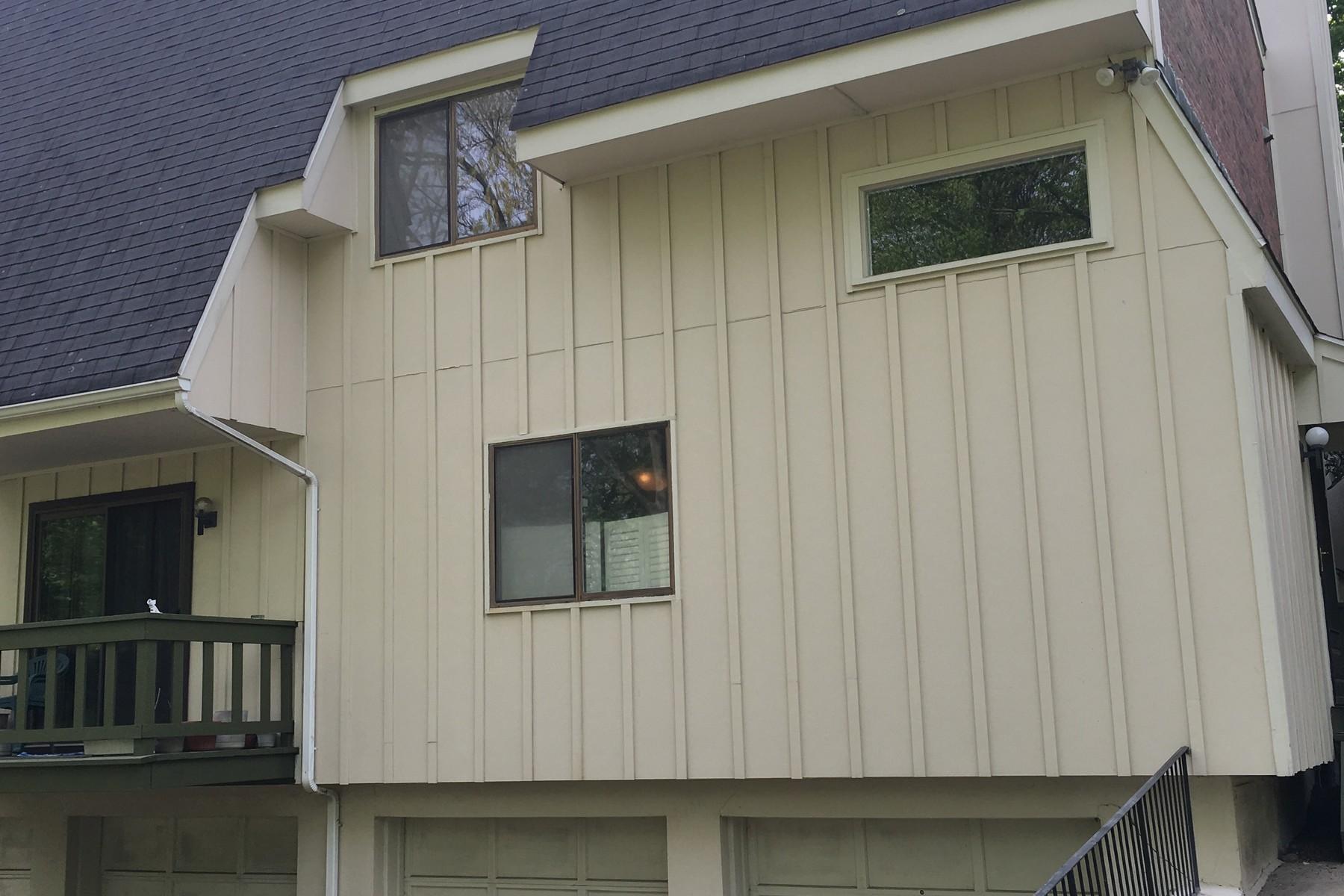 Maison accolée pour l Vente à Wolfpit Townhouse 27 Hills Lane 27 Norwalk, Connecticut, 06850 États-Unis