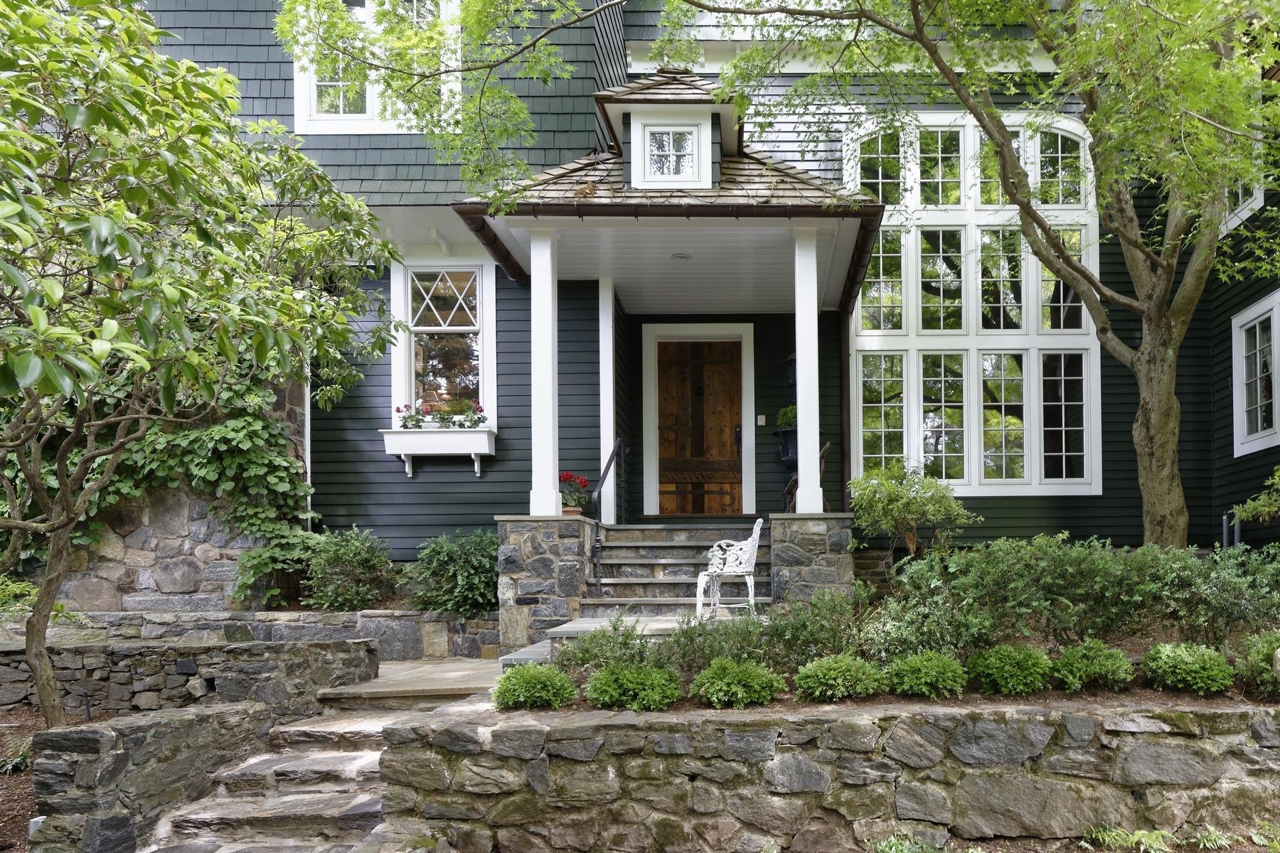 Maison unifamiliale pour l Vente à Spectacular Hudson River views 148 Tower Hill Road Briarcliff Manor, New York 10510 États-Unis