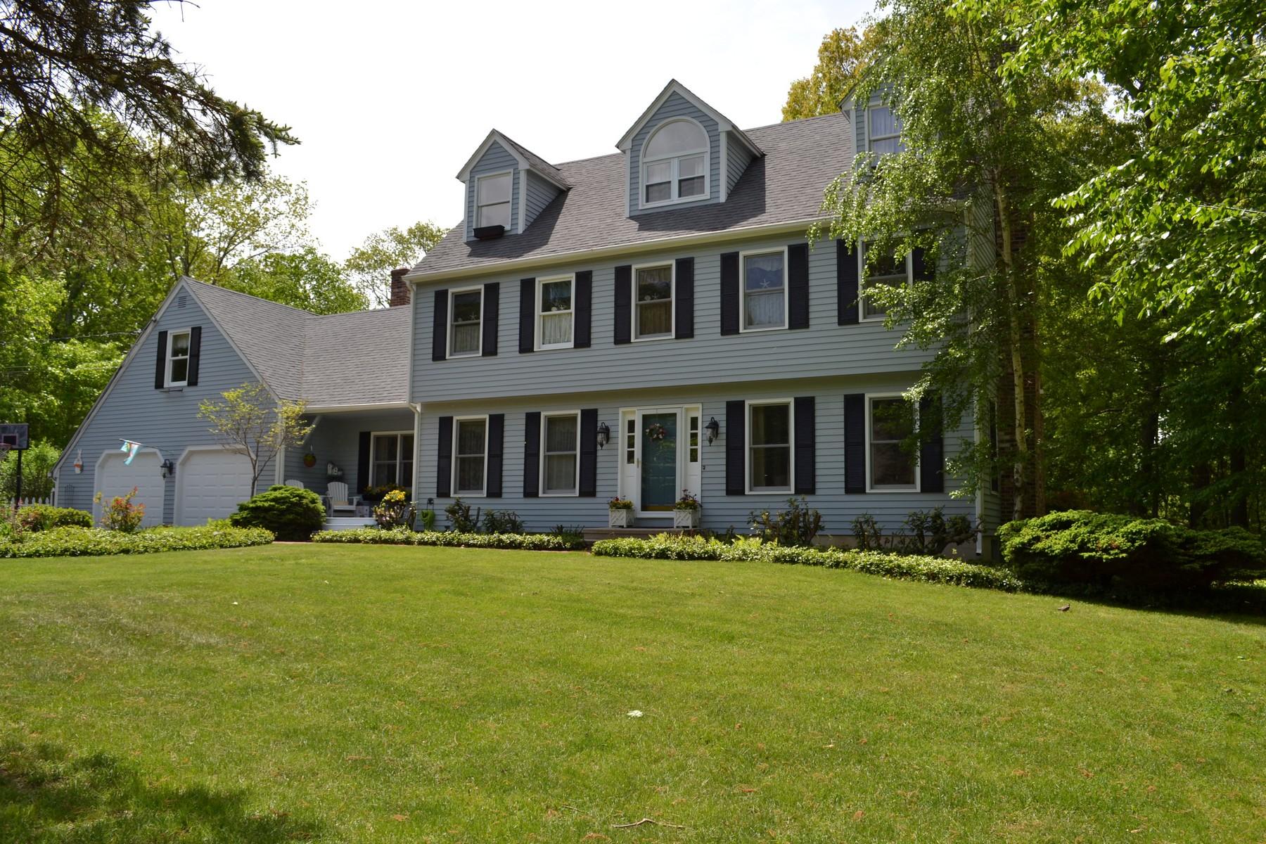 Vivienda unifamiliar por un Venta en Beautifully Commanding Presence 37 Cinnamon Ridge Old Saybrook, Connecticut 06475 Estados Unidos