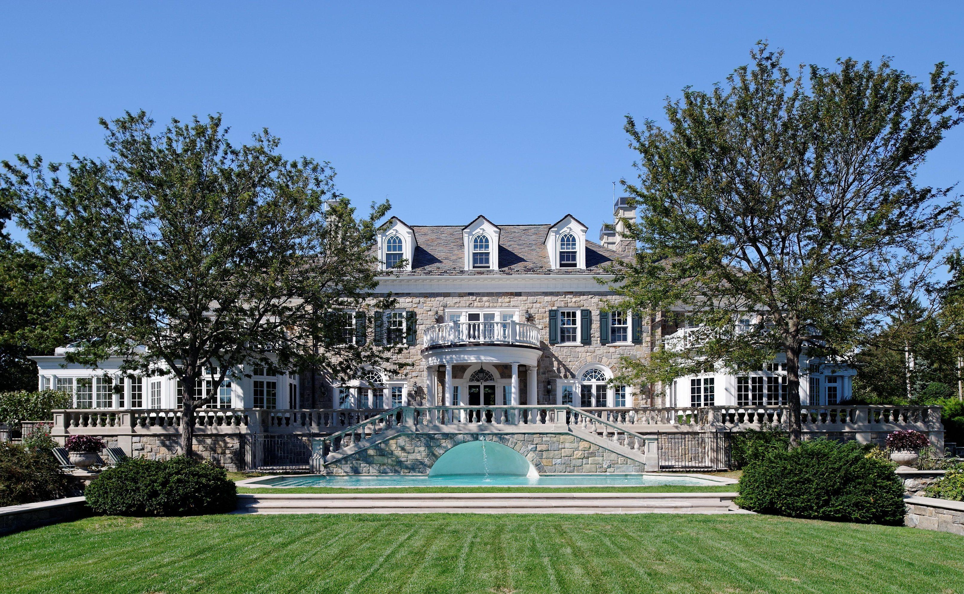 Частный односемейный дом для того Продажа на A masterpiece 1120 Greacen Point Road Mamaroneck, Нью-Йорк 10543 Соединенные Штаты