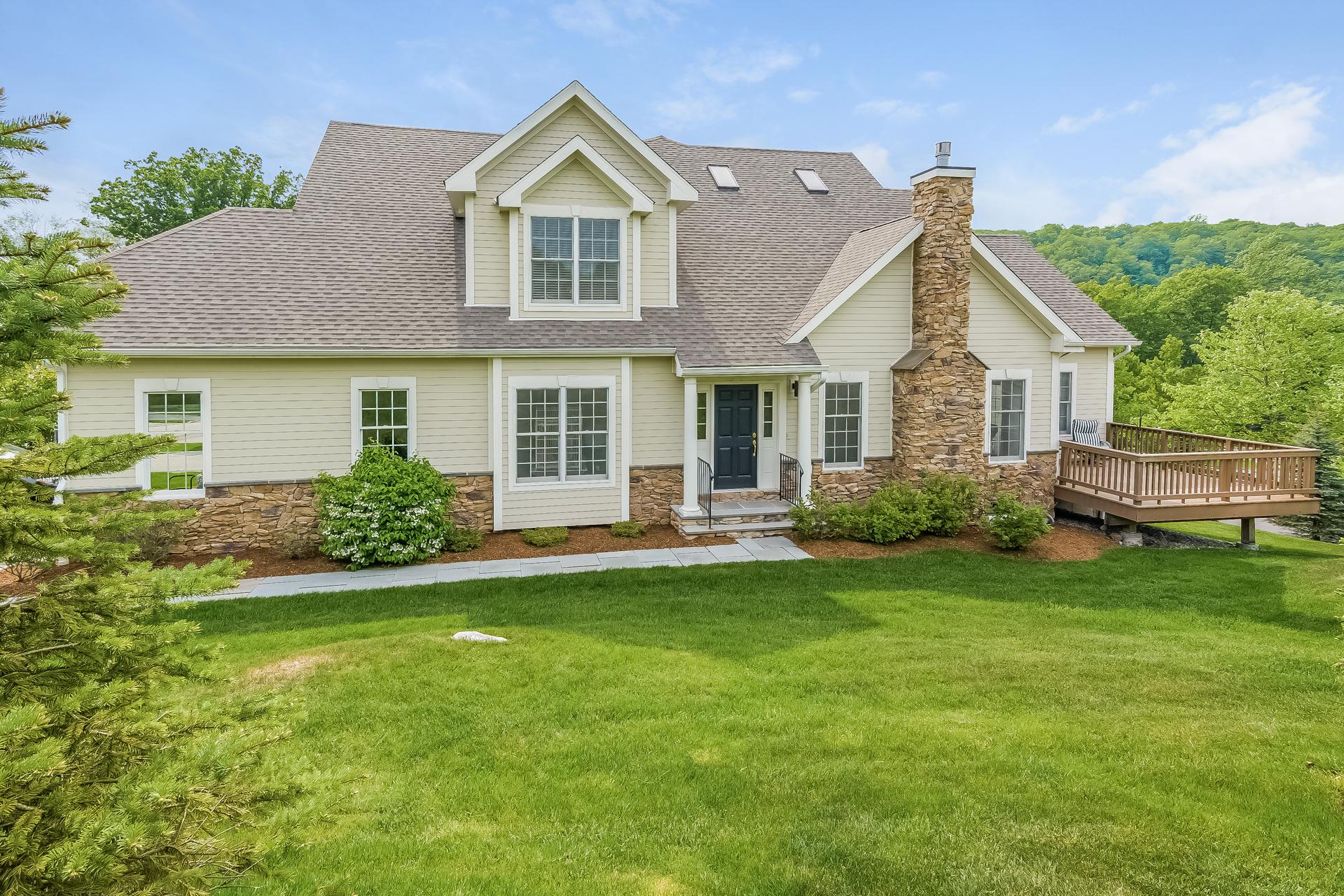 Appartement en copropriété pour l Vente à Best value at the Regency 638 Danbury Road 73 Ridgefield, Connecticut 06877 États-Unis