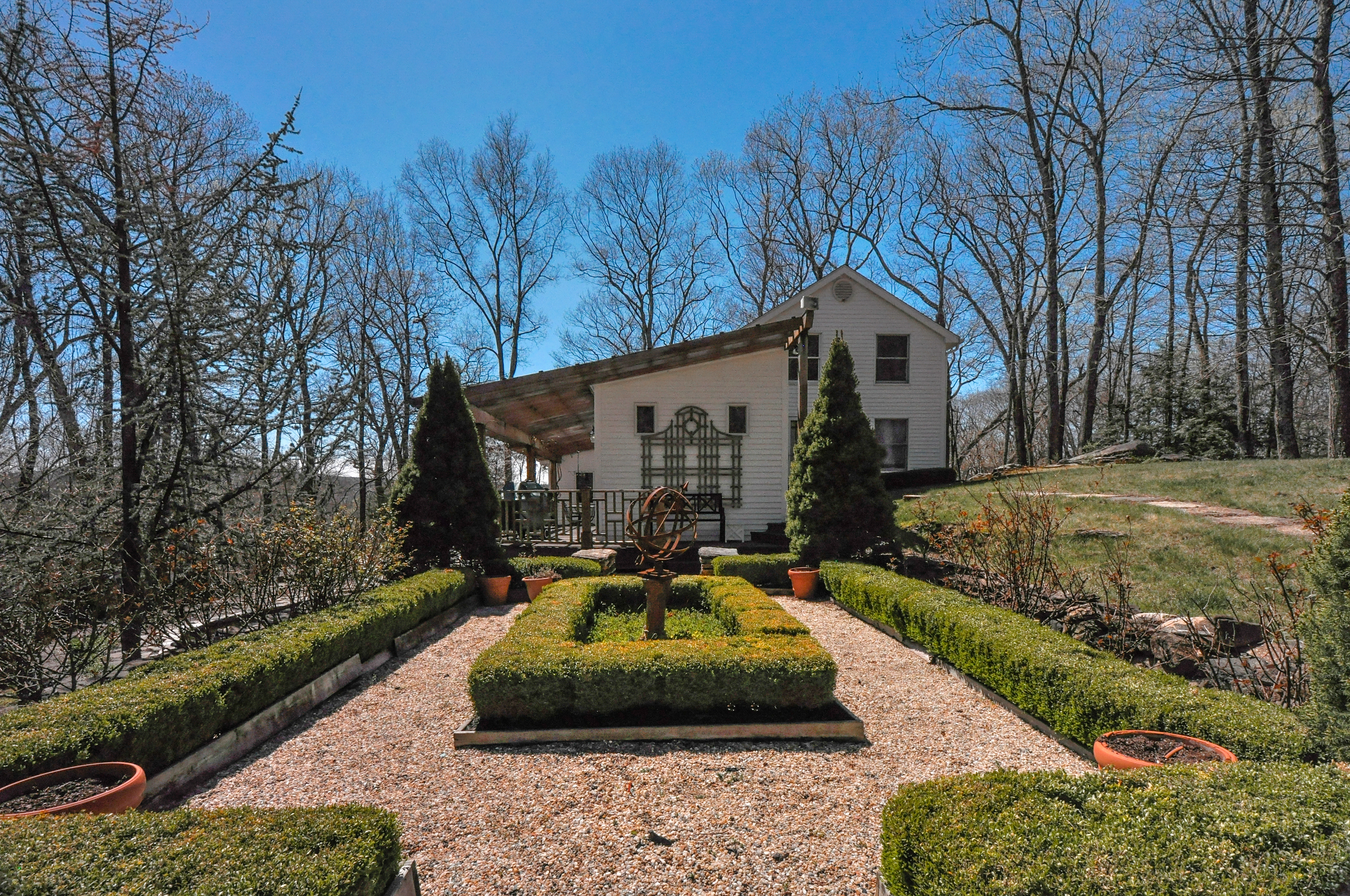 Single Family Home for Sale at Inviting Country Cape 51 Elephant Rock Rd Woodbury, Connecticut 06798 United States