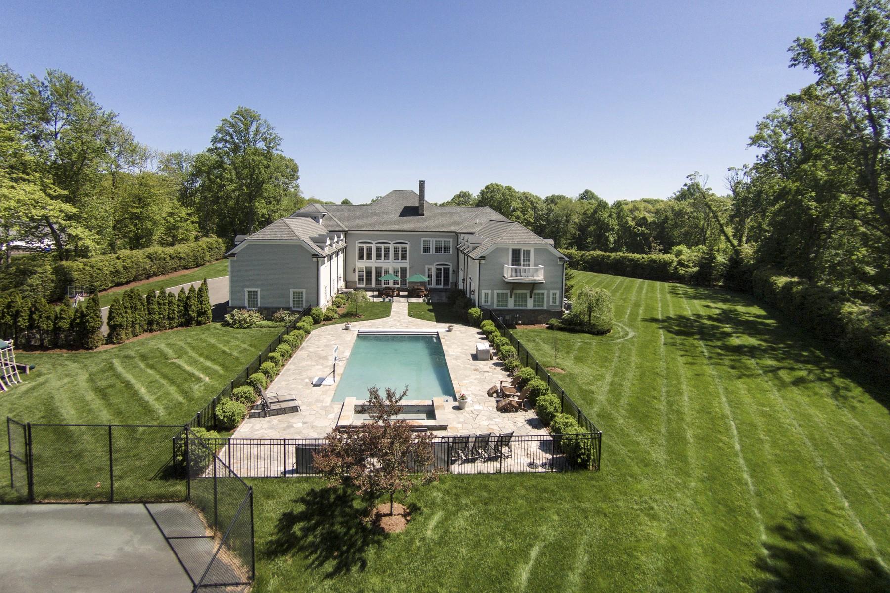 Maison unifamiliale pour l Vente à Exceptional! 1089 Boston Post Rd Madison, Connecticut 06443 États-Unis
