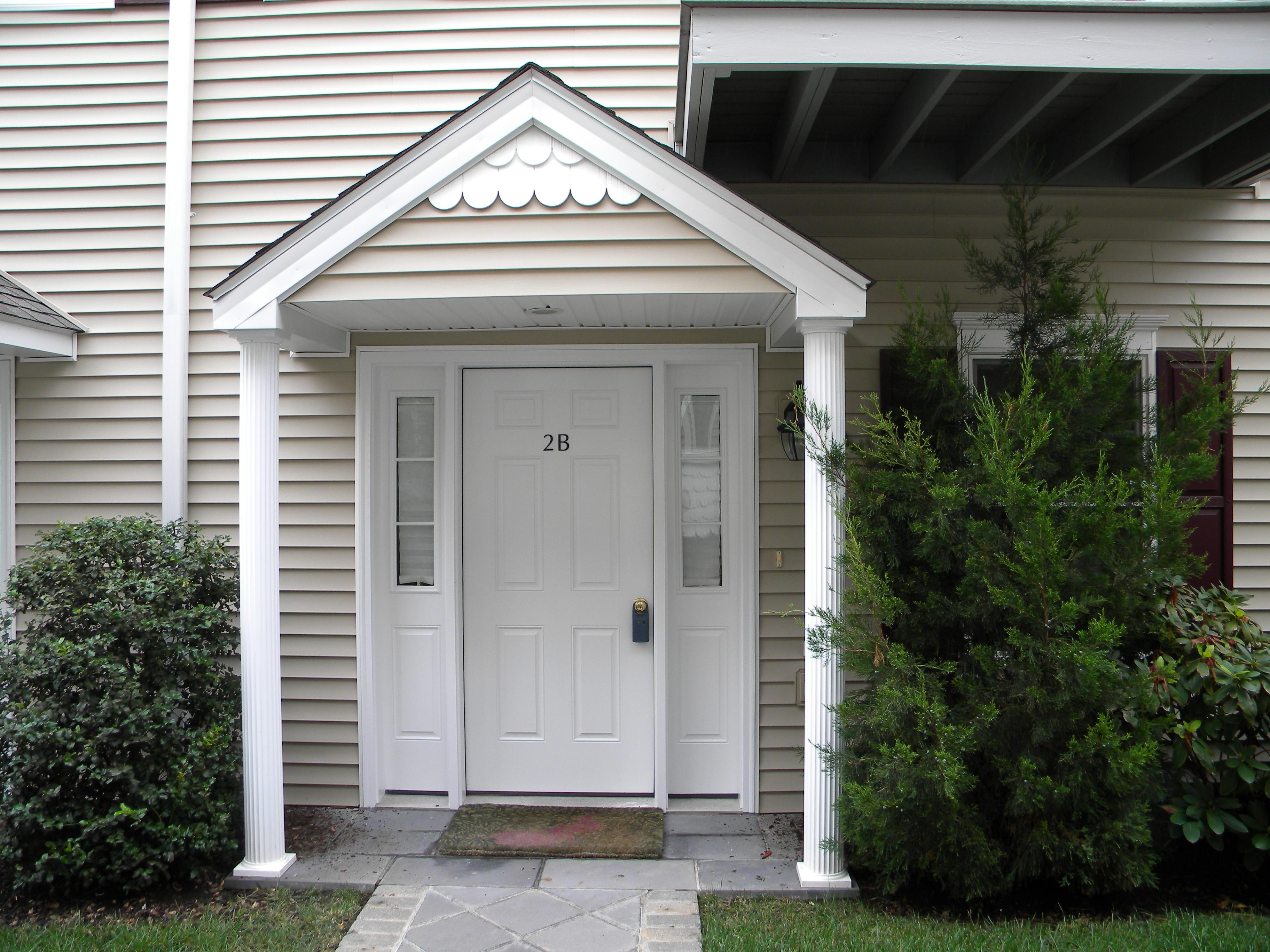Property Of Glenbrook Tri-Level Townhouse