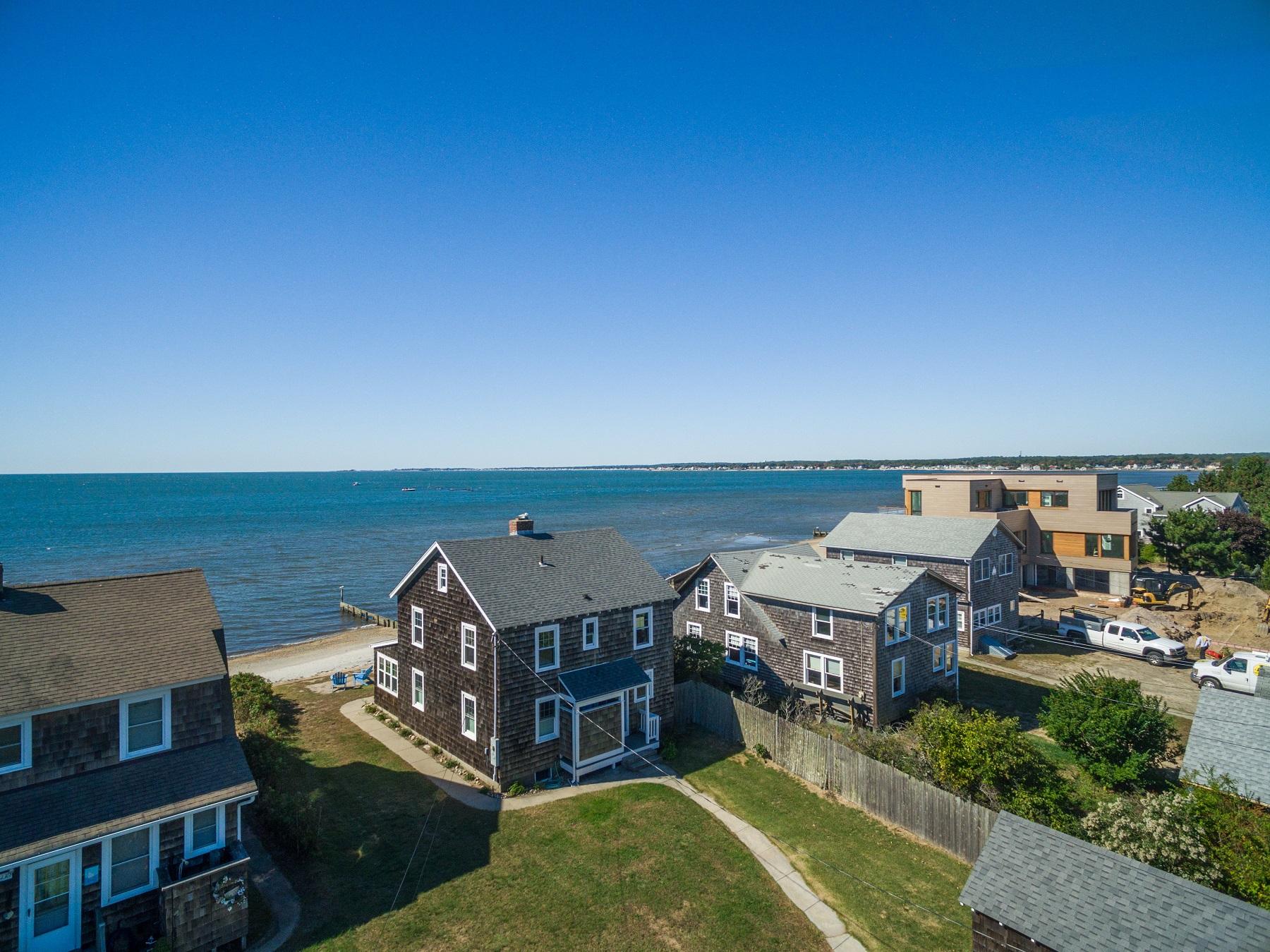 Einfamilienhaus für Verkauf beim Quintessential Waterfront Cottage 121 Plum Bank Road Old Saybrook, Connecticut, 06475 Vereinigte Staaten