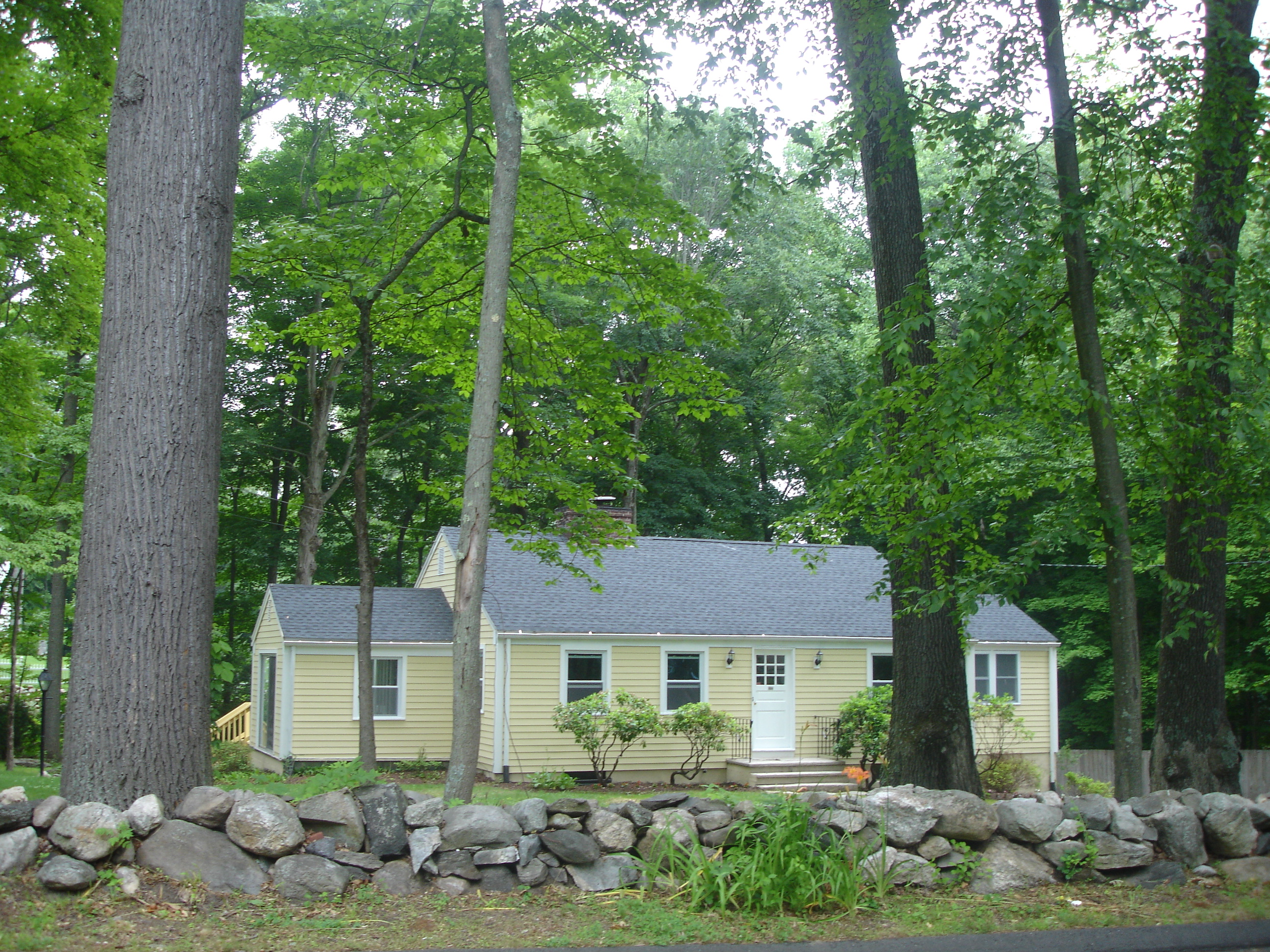 rentals property at 133 Jelliff Mill Road