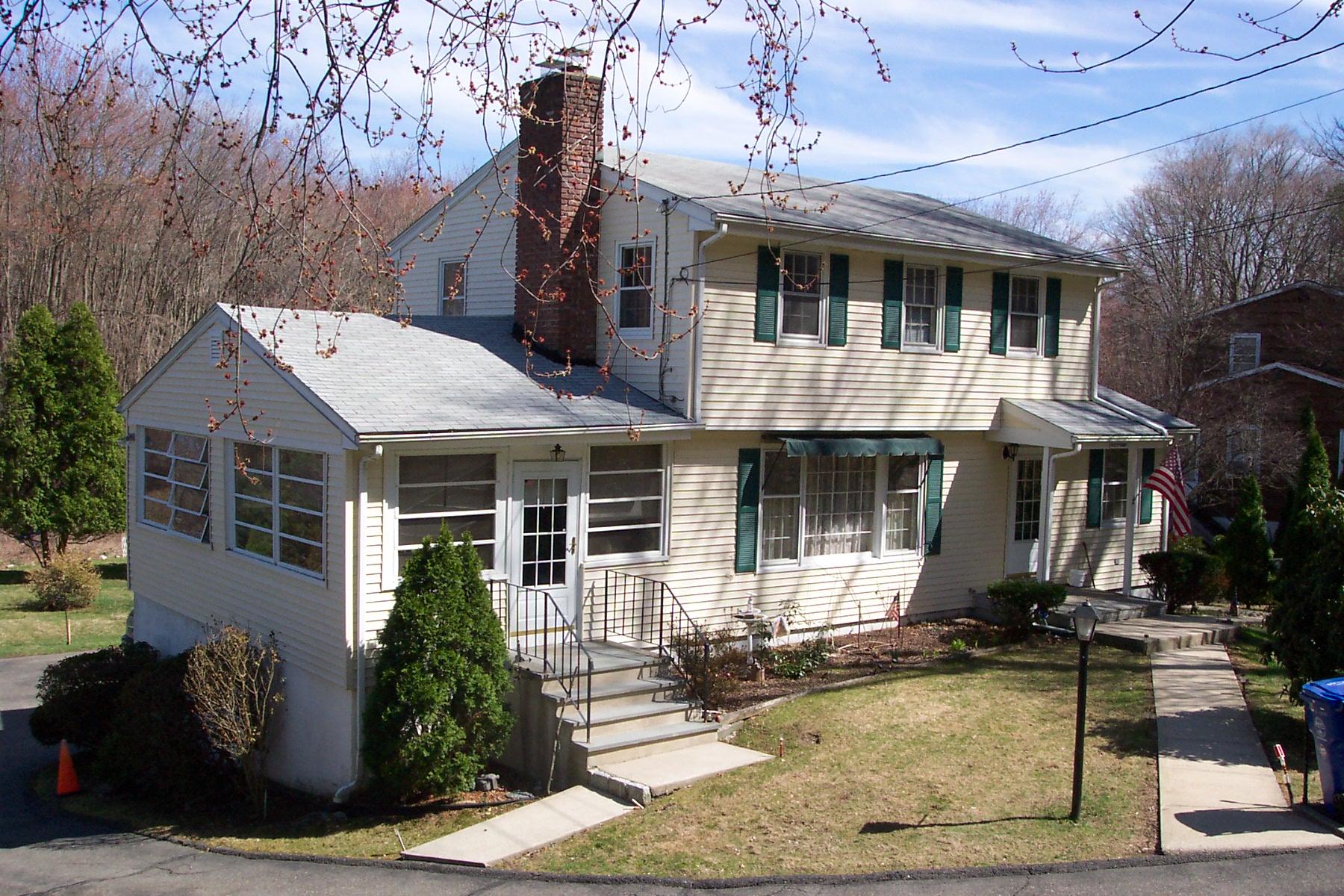 Частный односемейный дом для того Продажа на 68 East Rocks Road Norwalk, Коннектикут 06851 Соединенные Штаты