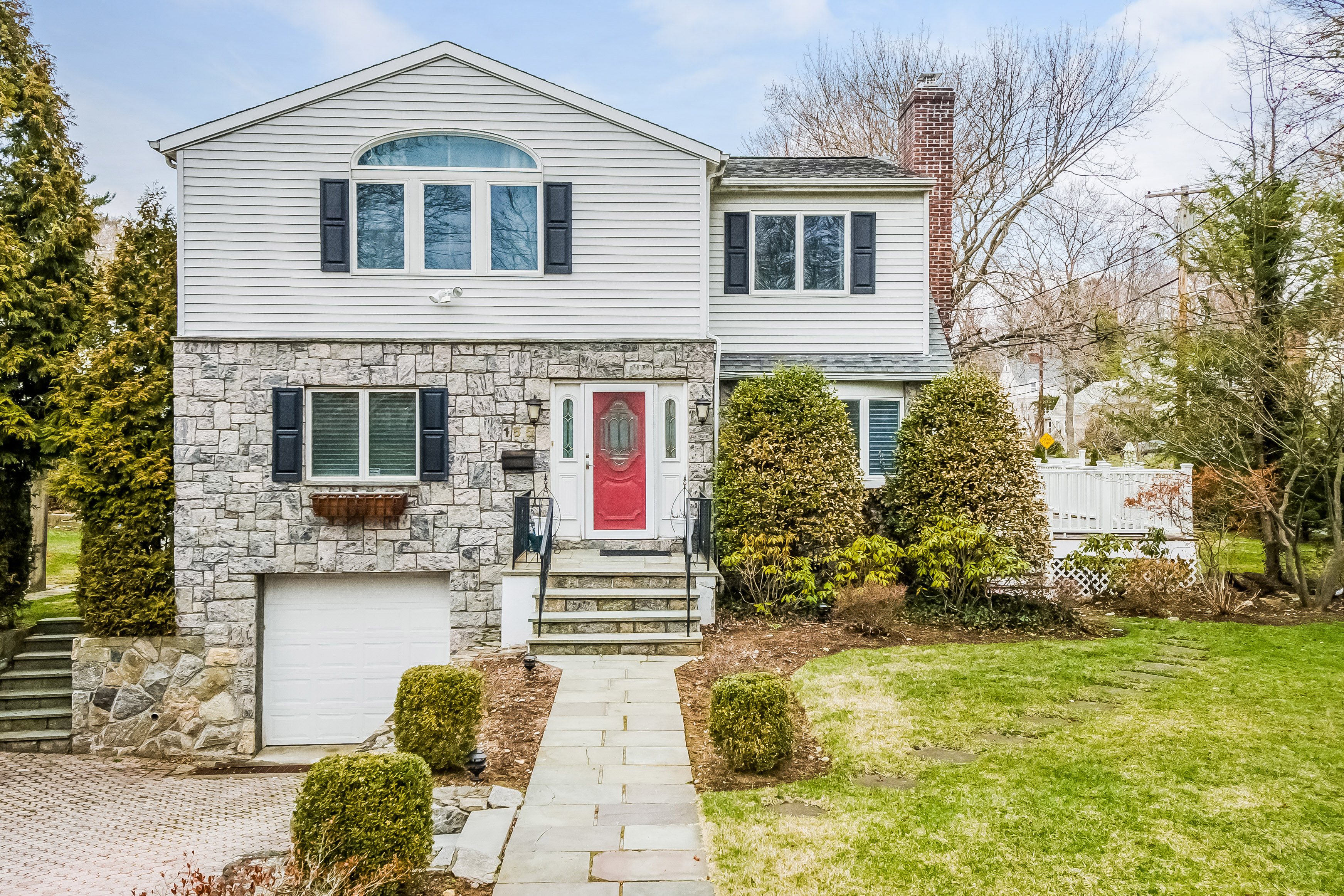 Single Family Home for Sale at Pristine Eastchester Colonial 155 Alkamont Avenue Scarsdale, New York 10583 United States
