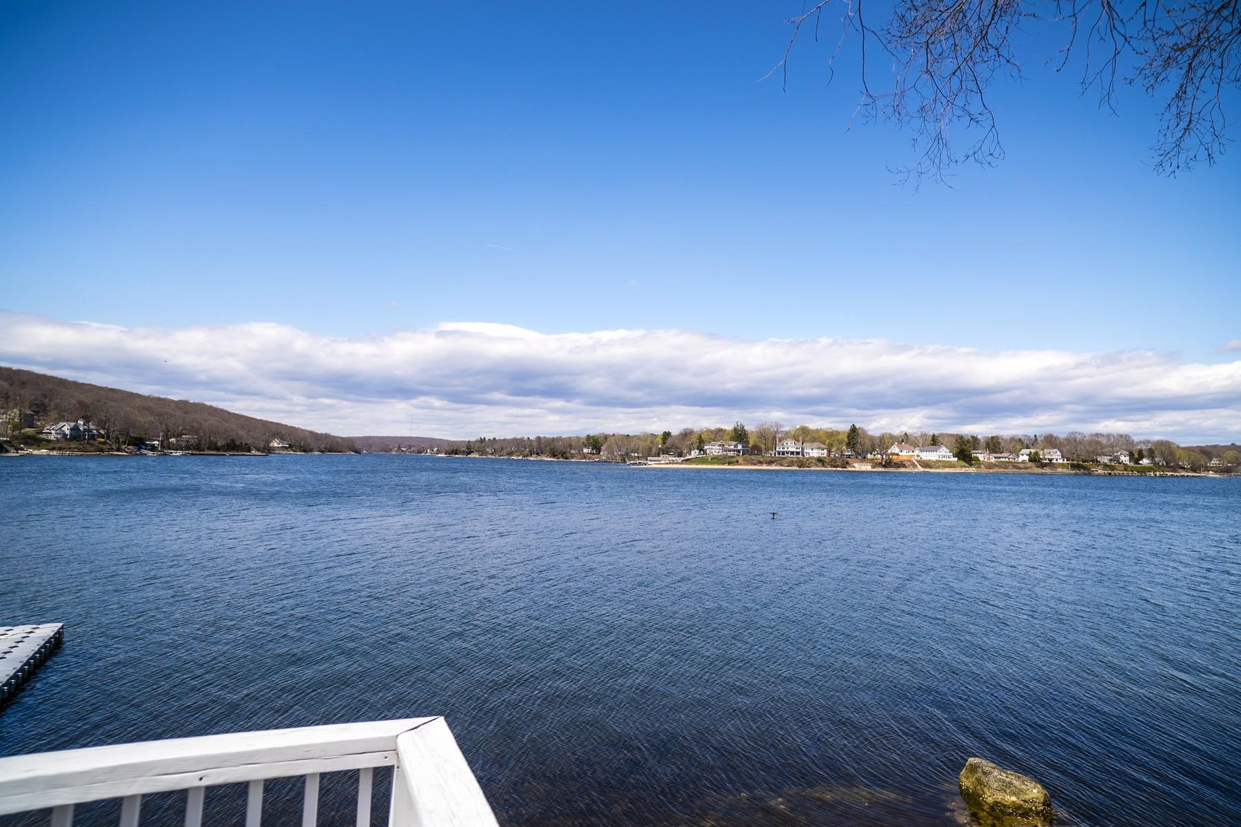 独户住宅 为 销售 在 A Water Lover's Dream 28 Bishops Bay Road East Lyme, 康涅狄格州 06357 美国