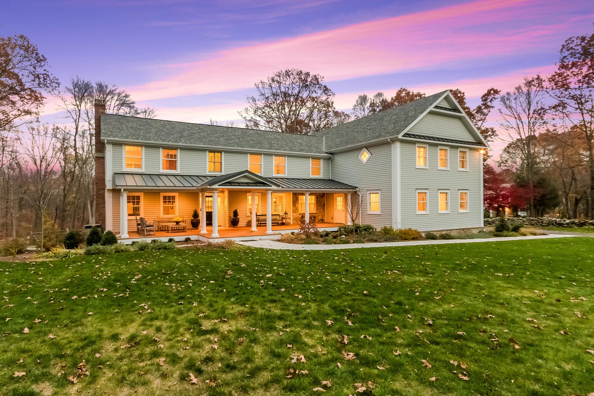 Maison unifamiliale pour l Vente à 82 Pipers Hill Road Wilton, Connecticut, 06897 États-Unis