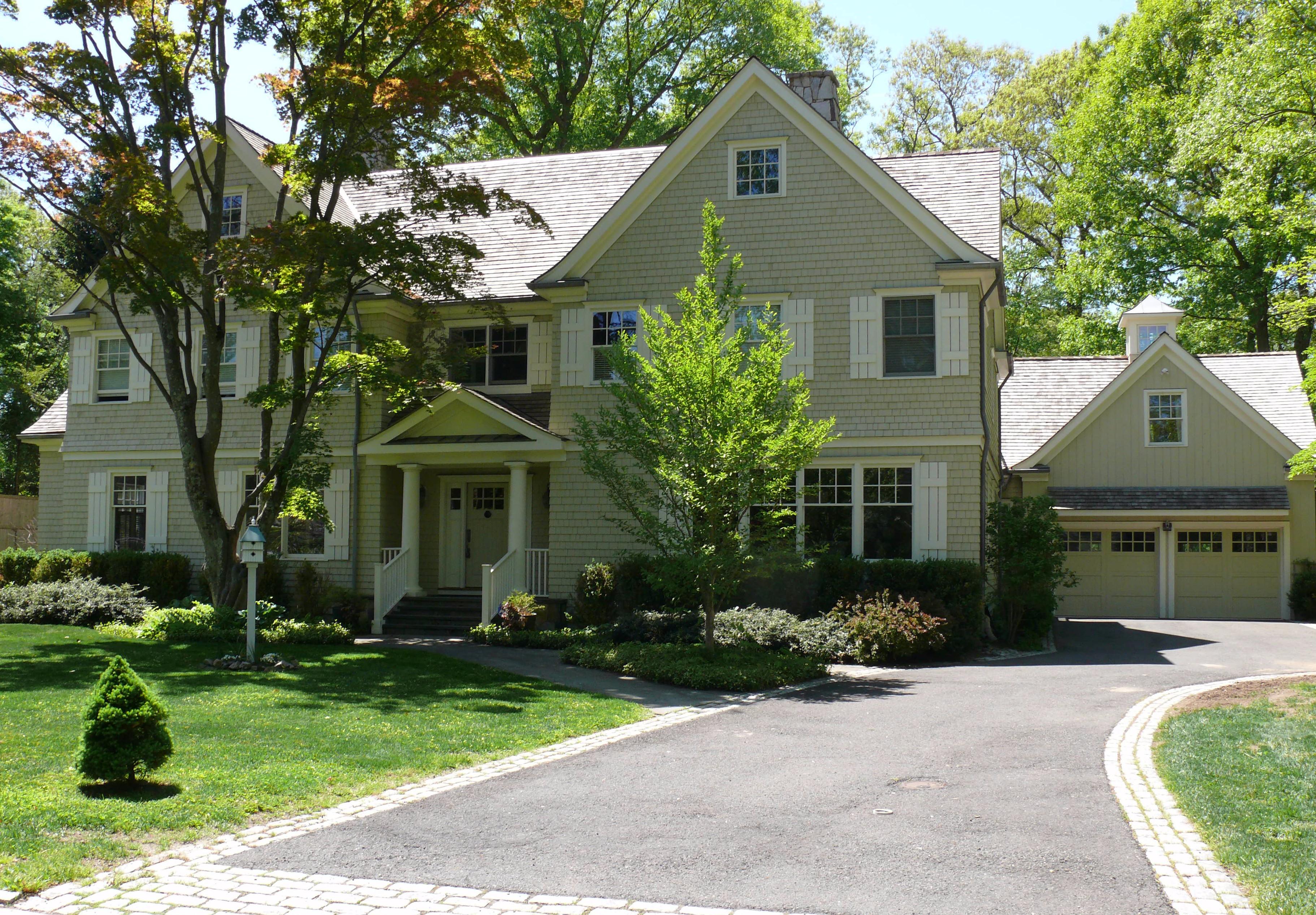 独户住宅 为 销售 在 Sophisticated New England Coastal Lifestyle 7 Ledge Road Rowayton, Norwalk, 康涅狄格州 06853 美国