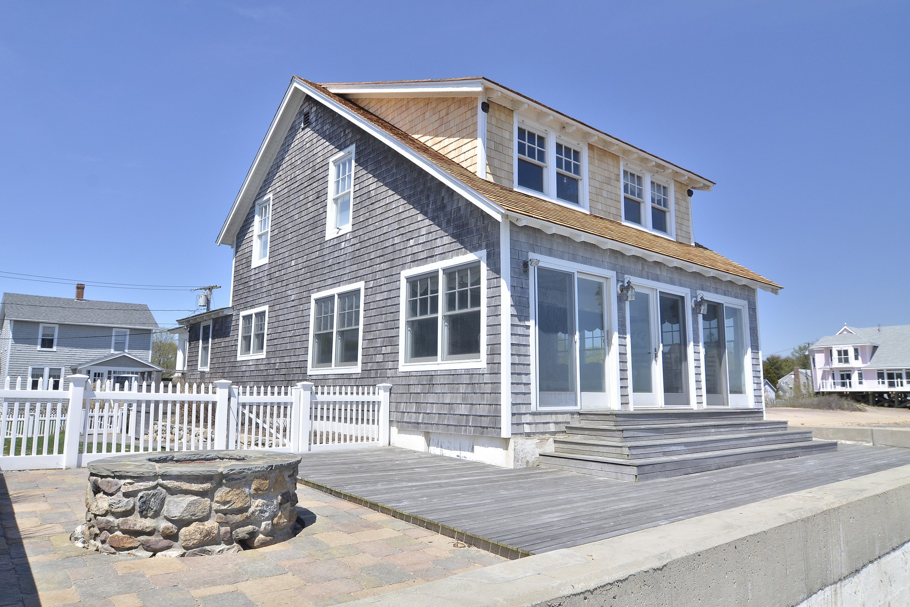 Einfamilienhaus für Verkauf beim Direct Waterfront! 34 Toffee Ln Madison, Connecticut 06443 Vereinigte Staaten