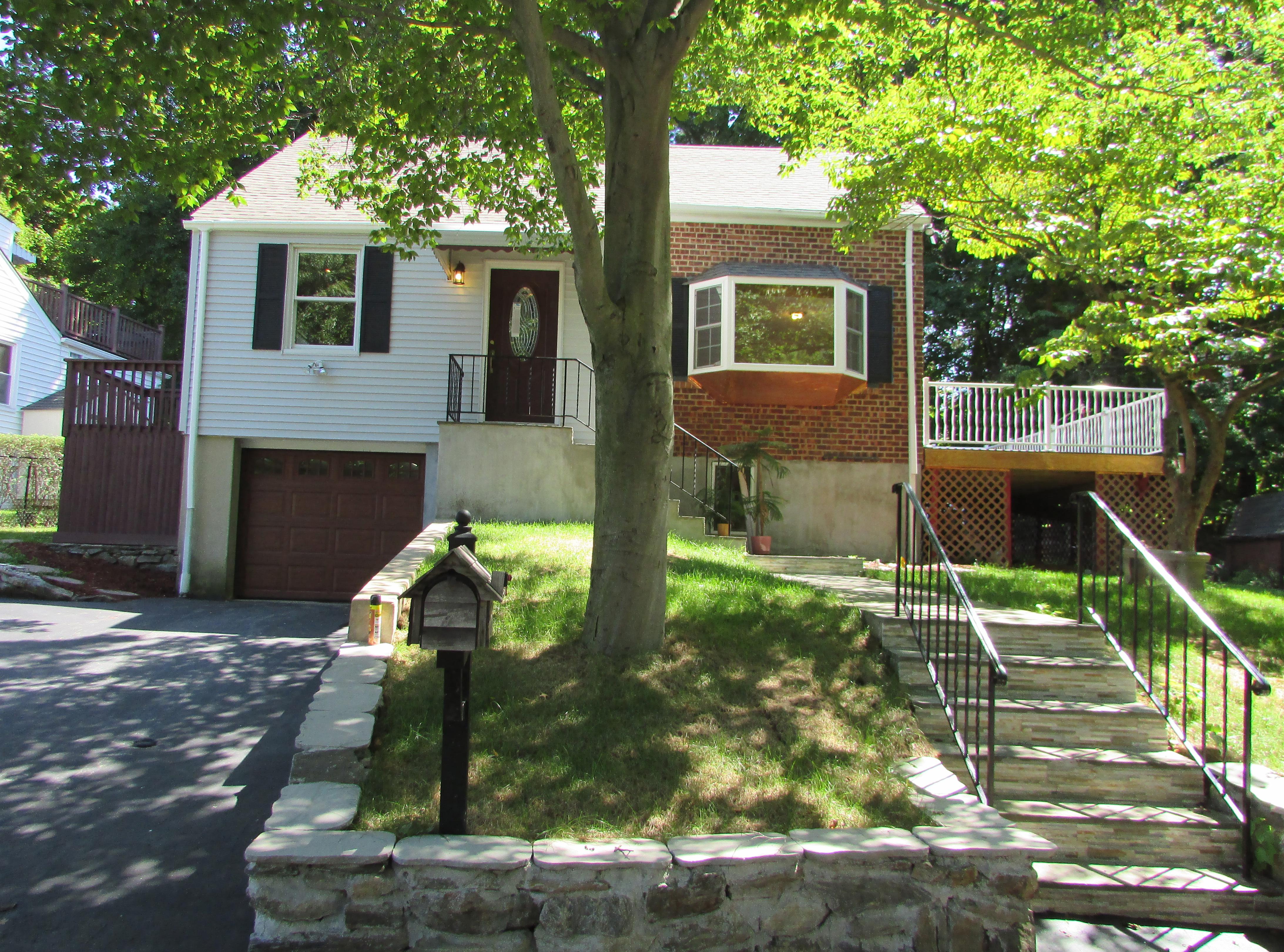 一戸建て のために 売買 アット Renovated Capecod 2 Kensico Knoll Place White Plains, ニューヨーク, 10603 アメリカ合衆国