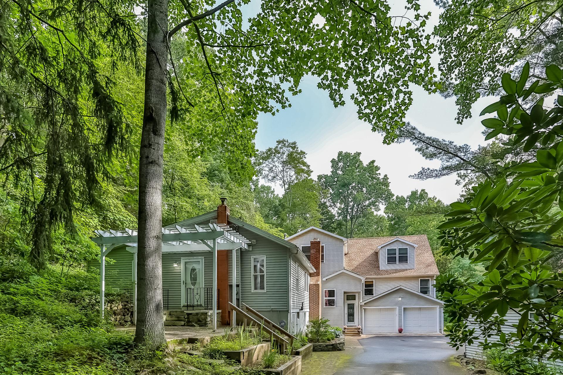 Nhà ở một gia đình vì Bán tại 52 River Road Clinton, Connecticut, 06413 Hoa Kỳ