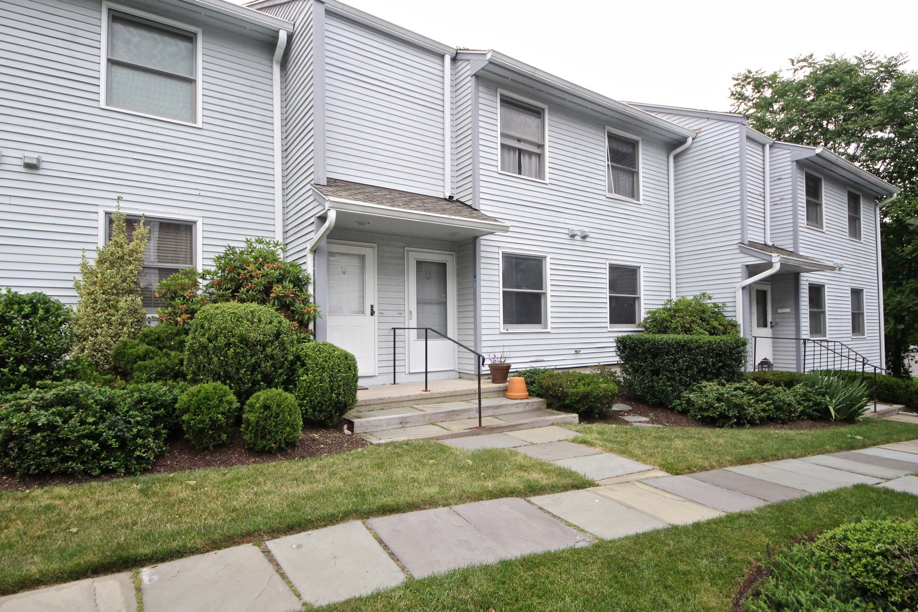 Appartement en copropriété pour l Vente à Desirable Wolfpit Location 1 Wolfpit Avenue 13 Norwalk, Connecticut, 06851 États-Unis