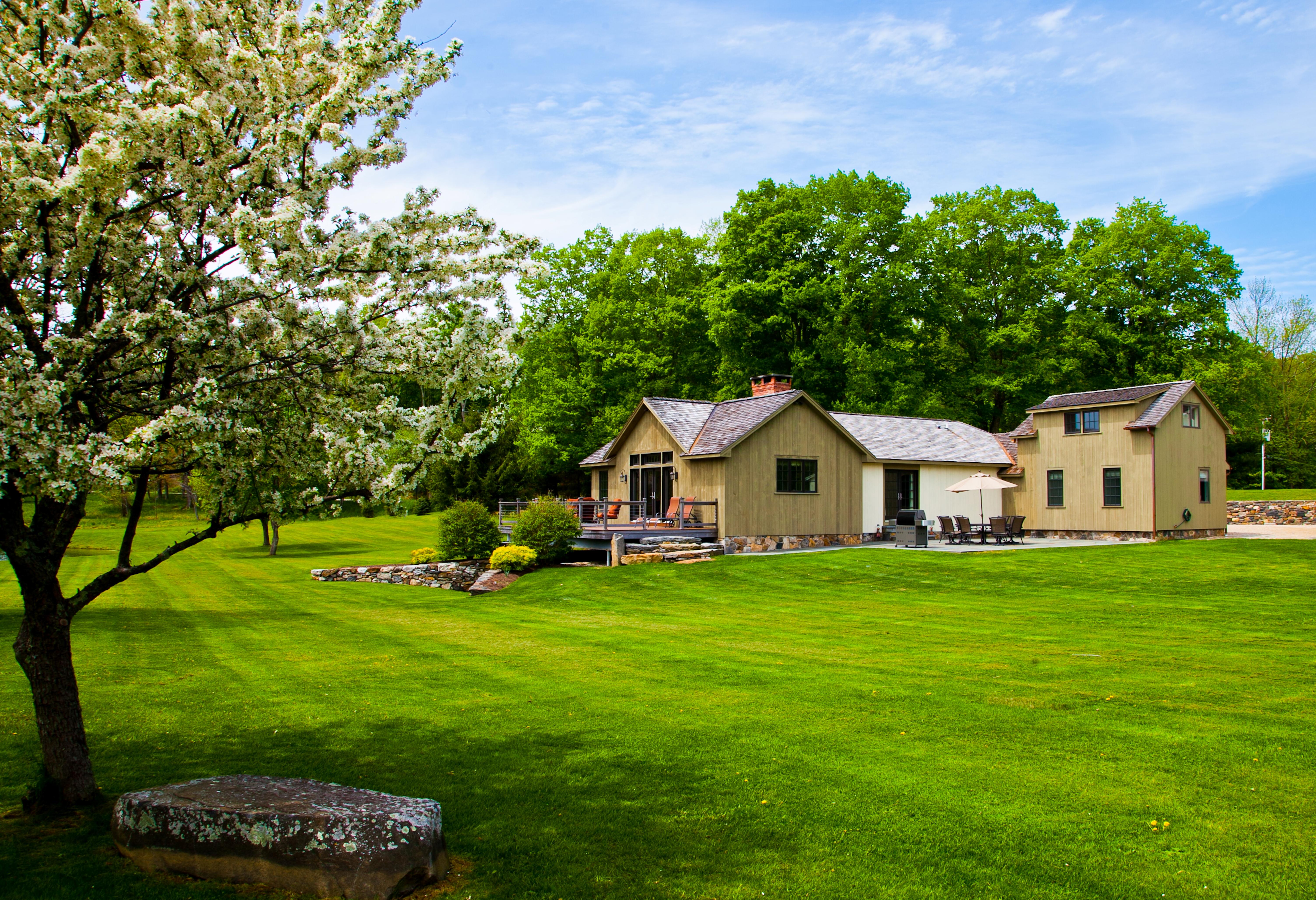 Casa Unifamiliar por un Venta en Wilson House 71 Brick School Road Warren, Connecticut 06754 Estados Unidos