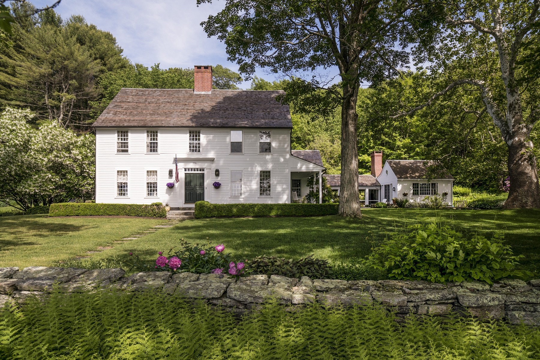 Single Family Home for Sale at Gracious 18th Century Residence 551 Hamburg Rd Lyme, Connecticut, 06371 United States