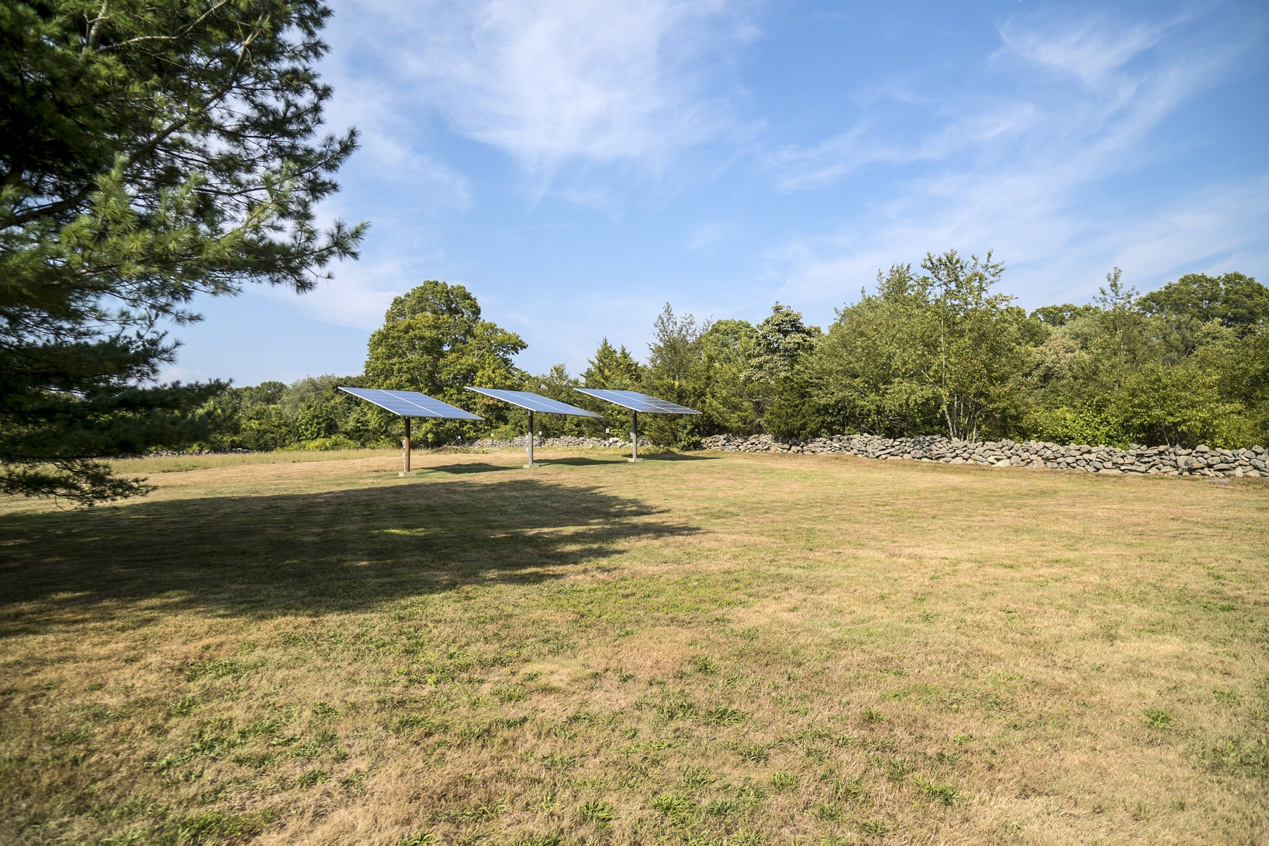 Additional photo for property listing at Revolutionary Roots 704 Al Harvey Road Stonington, Connecticut 06378 United States