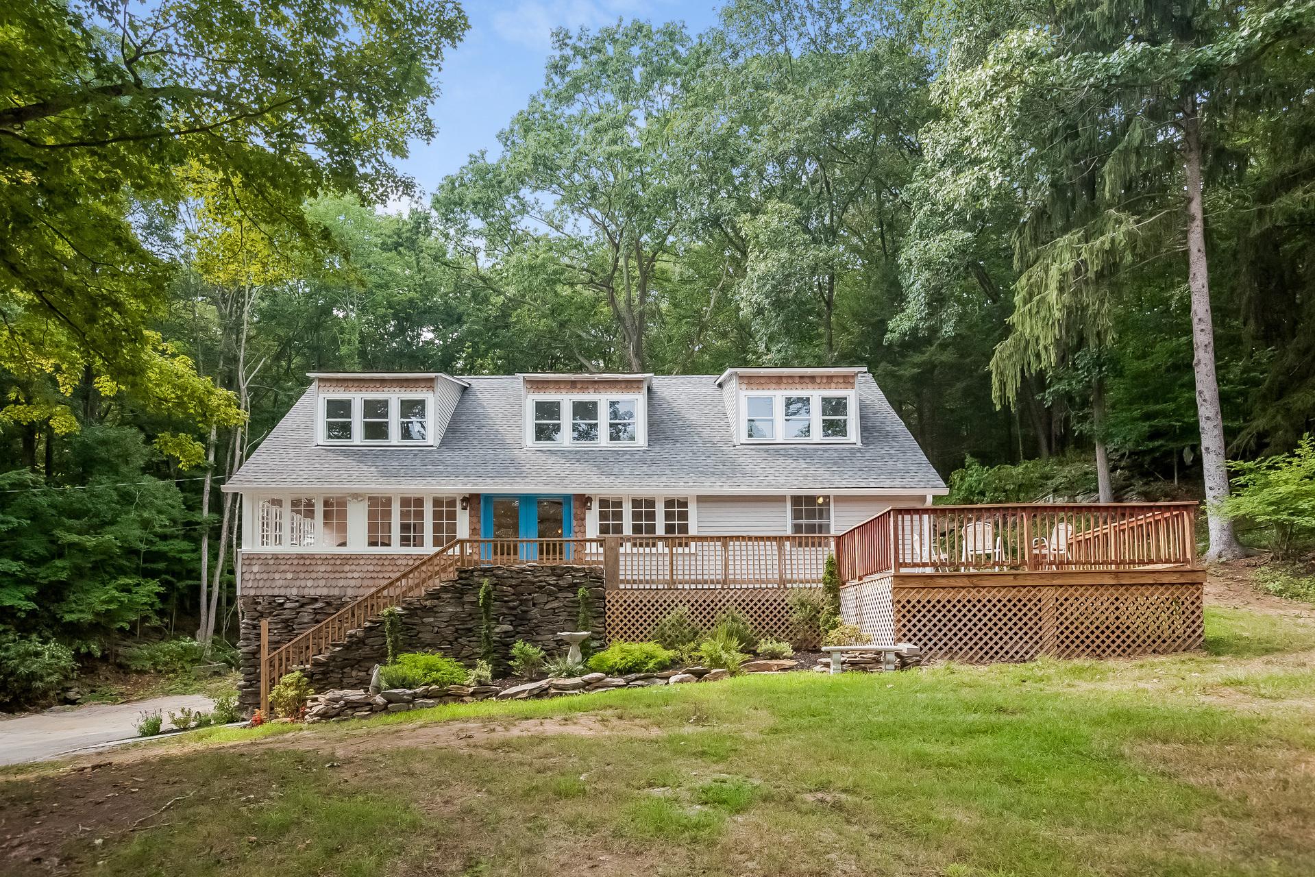 Einfamilienhaus für Verkauf beim Breathtaking Character and Charm 10 Meeting House Hill Road Franklin, Connecticut, 06254 Vereinigte Staaten