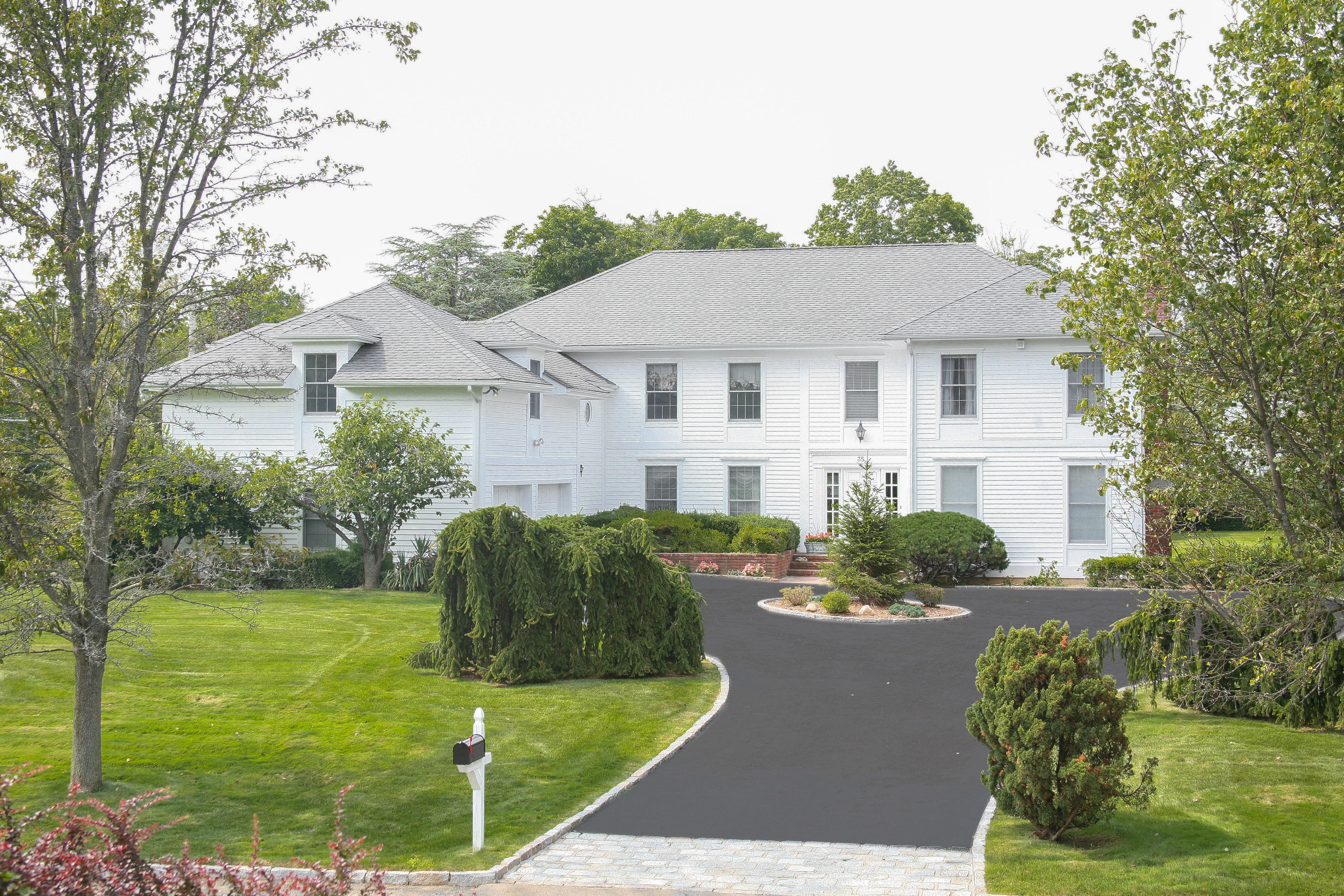 Villa per Vendita alle ore Magnificent Murray Hill Estate 35 Murray Hill Road Scarsdale, New York 10583 Stati Uniti