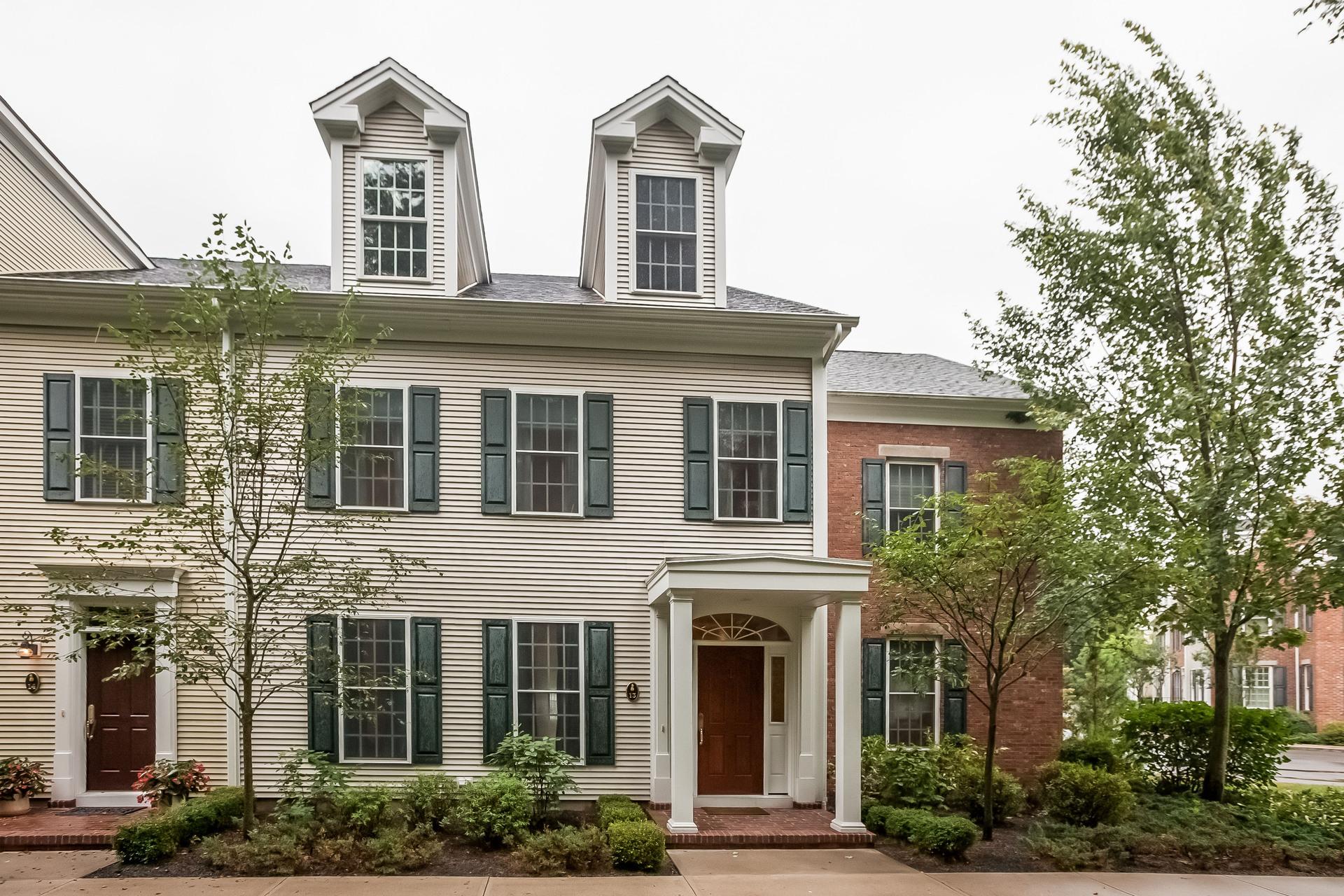 Nhà chung cư vì Bán tại 13 Evarts Ln 13 Evarts Ln 13 Madison, Connecticut 06443 Hoa Kỳ