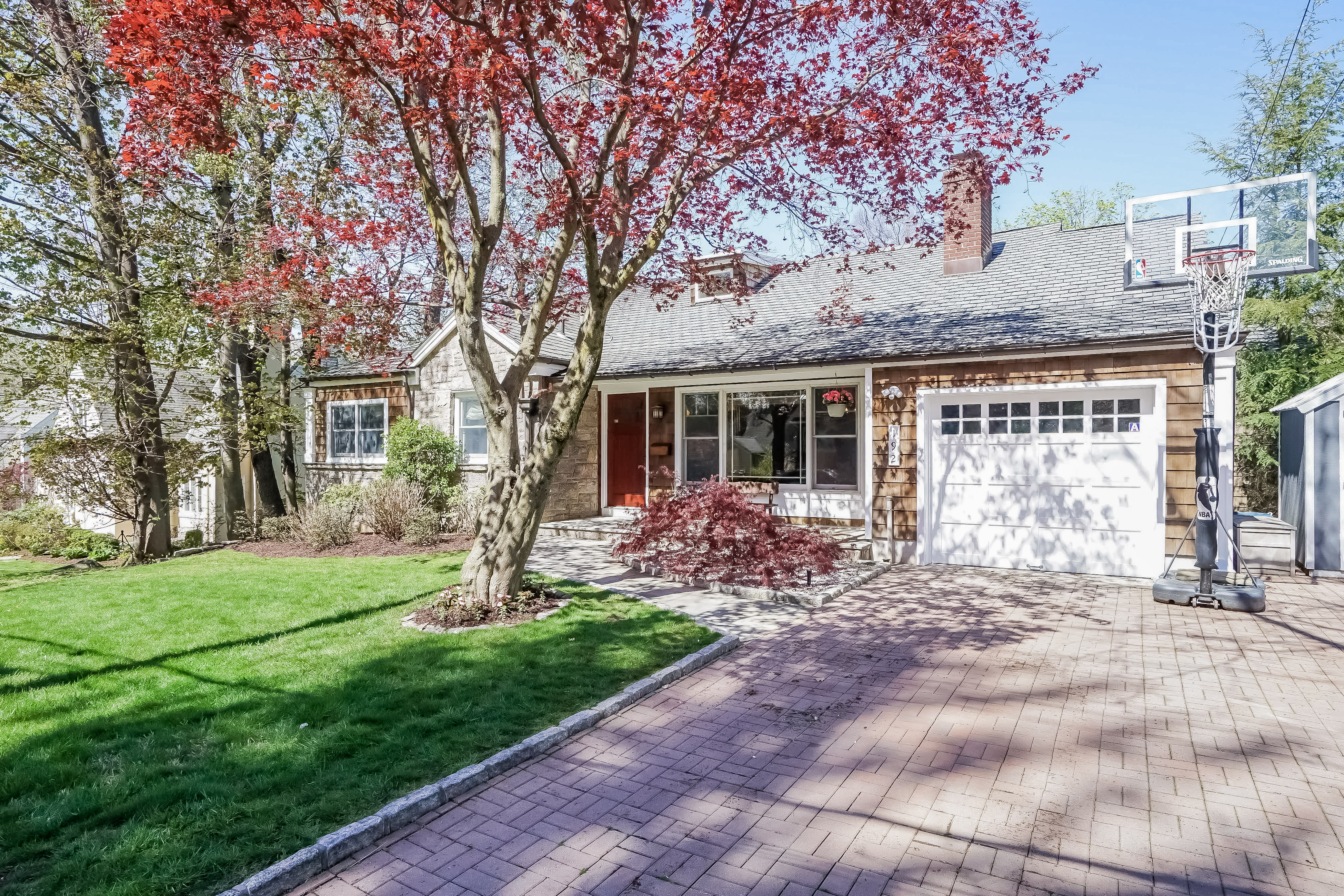 Single Family Home for Sale at Lovely Ranch 192 Evandale Road Scarsdale, New York, 10583 United States