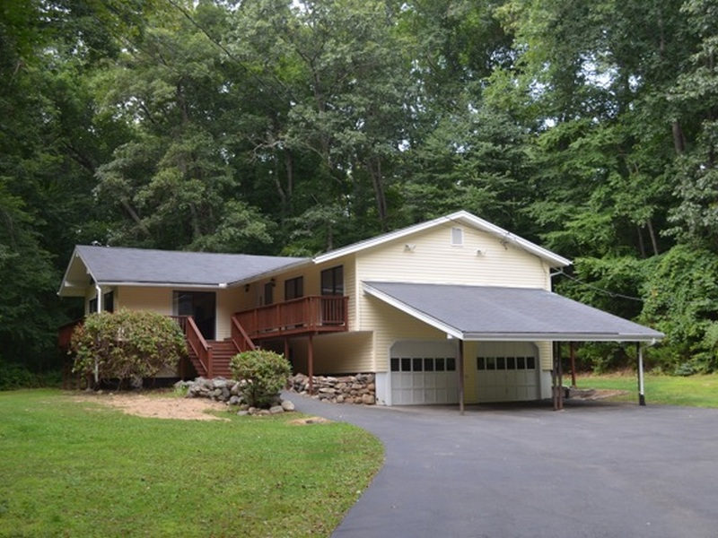 Casa Unifamiliar por un Venta en 274 Duck Hole Rd Madison, Connecticut 06443 Estados Unidos